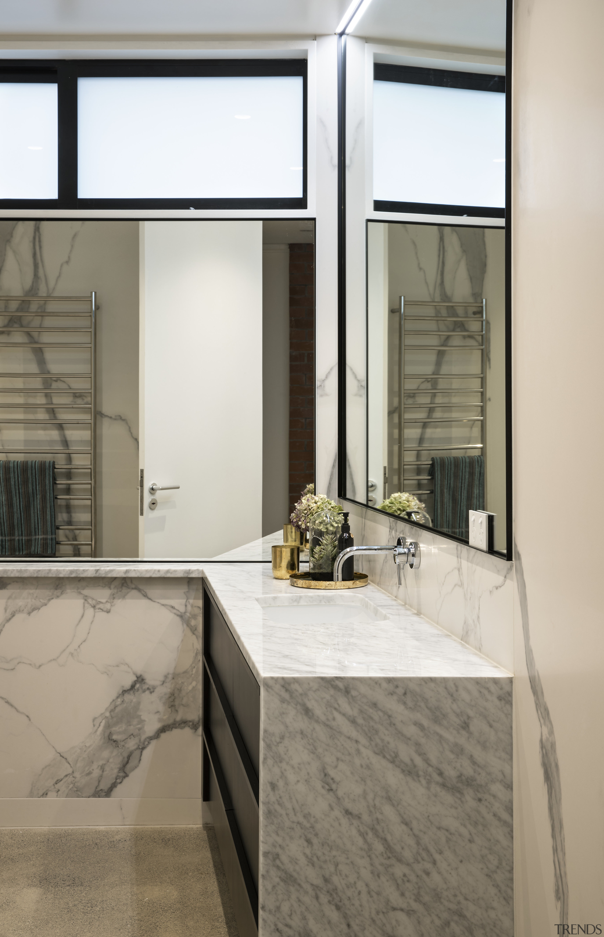 Large-format porcelain wall panels     - Gallery - 3 | Trends