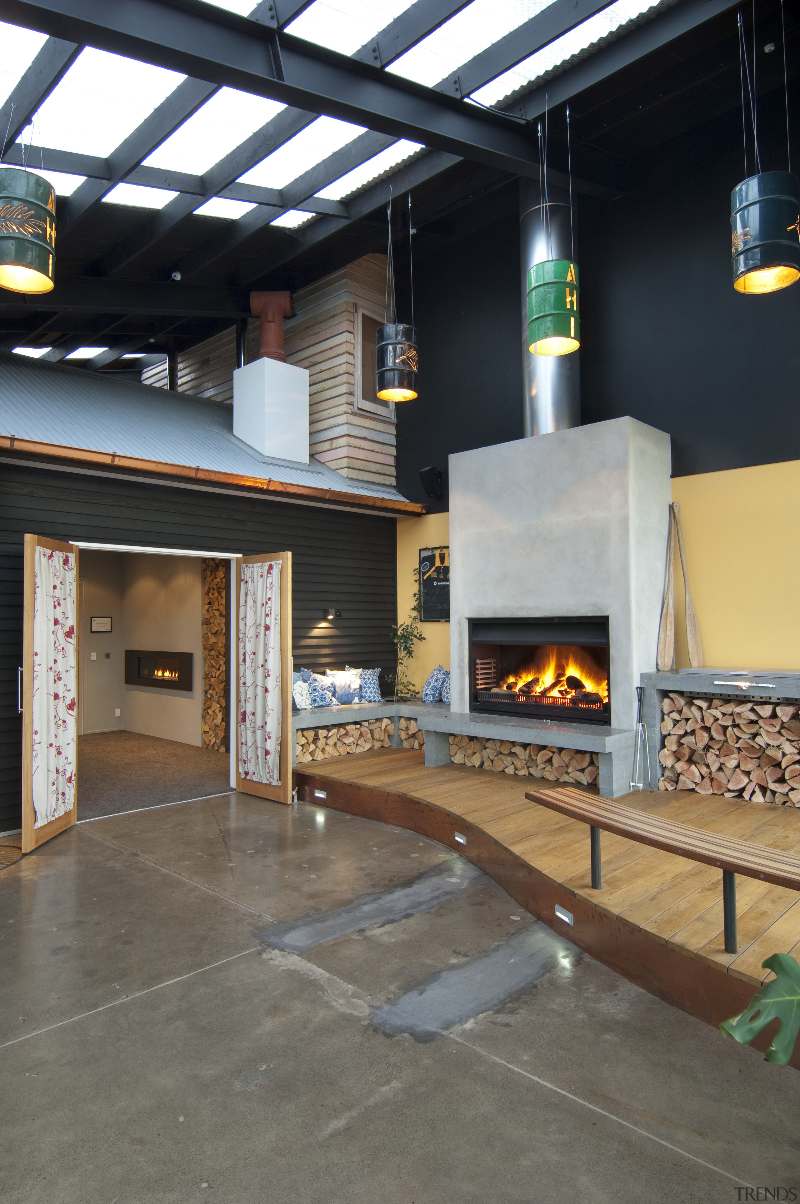 Insitu Displays In A Retail Fireplace Showroom T Trends