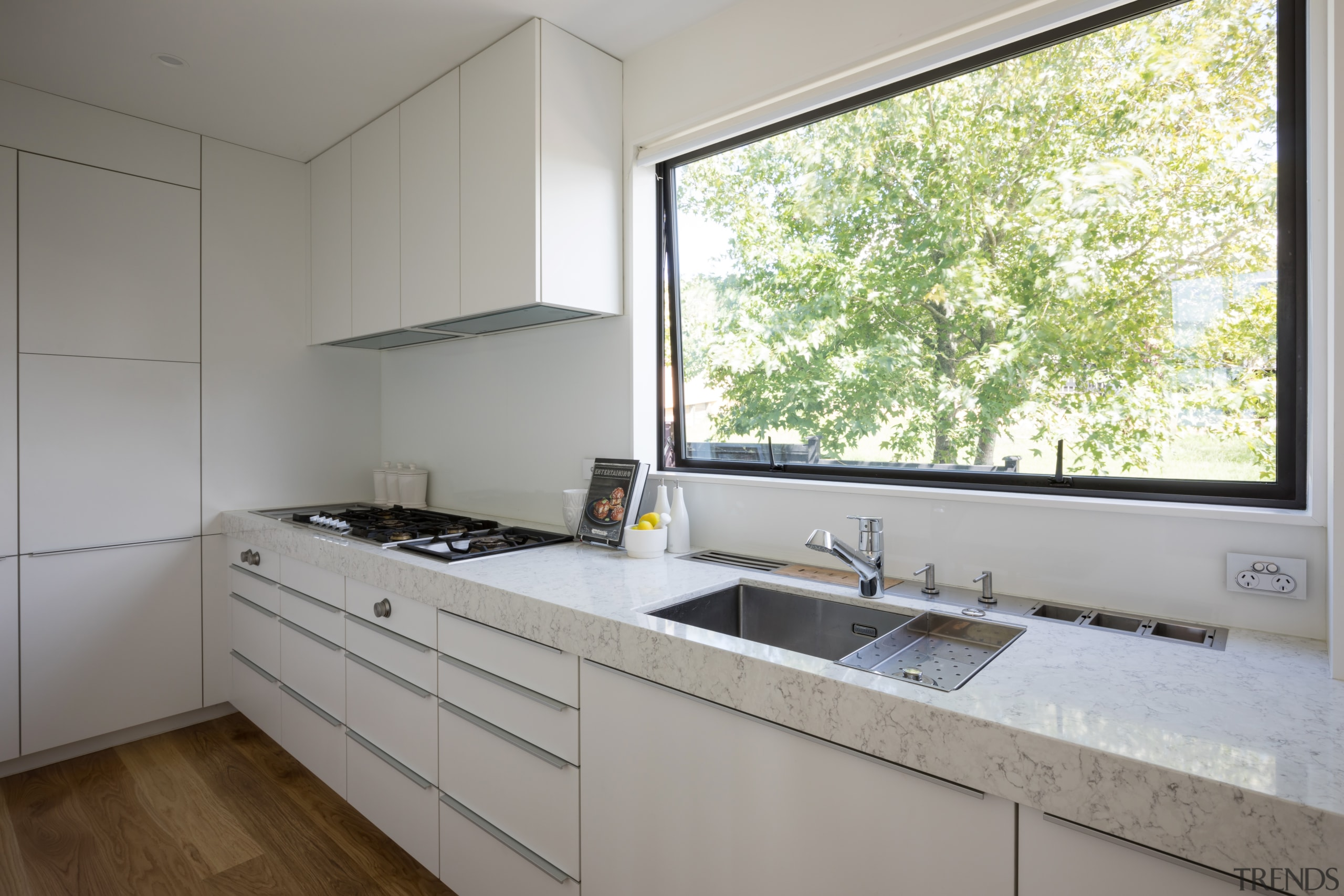 Room at the back – this modern kitchen architecture, cabinetry, countertop, scullery, storage, appliances, Poggenpohl, Akzente, Lara Farmilo