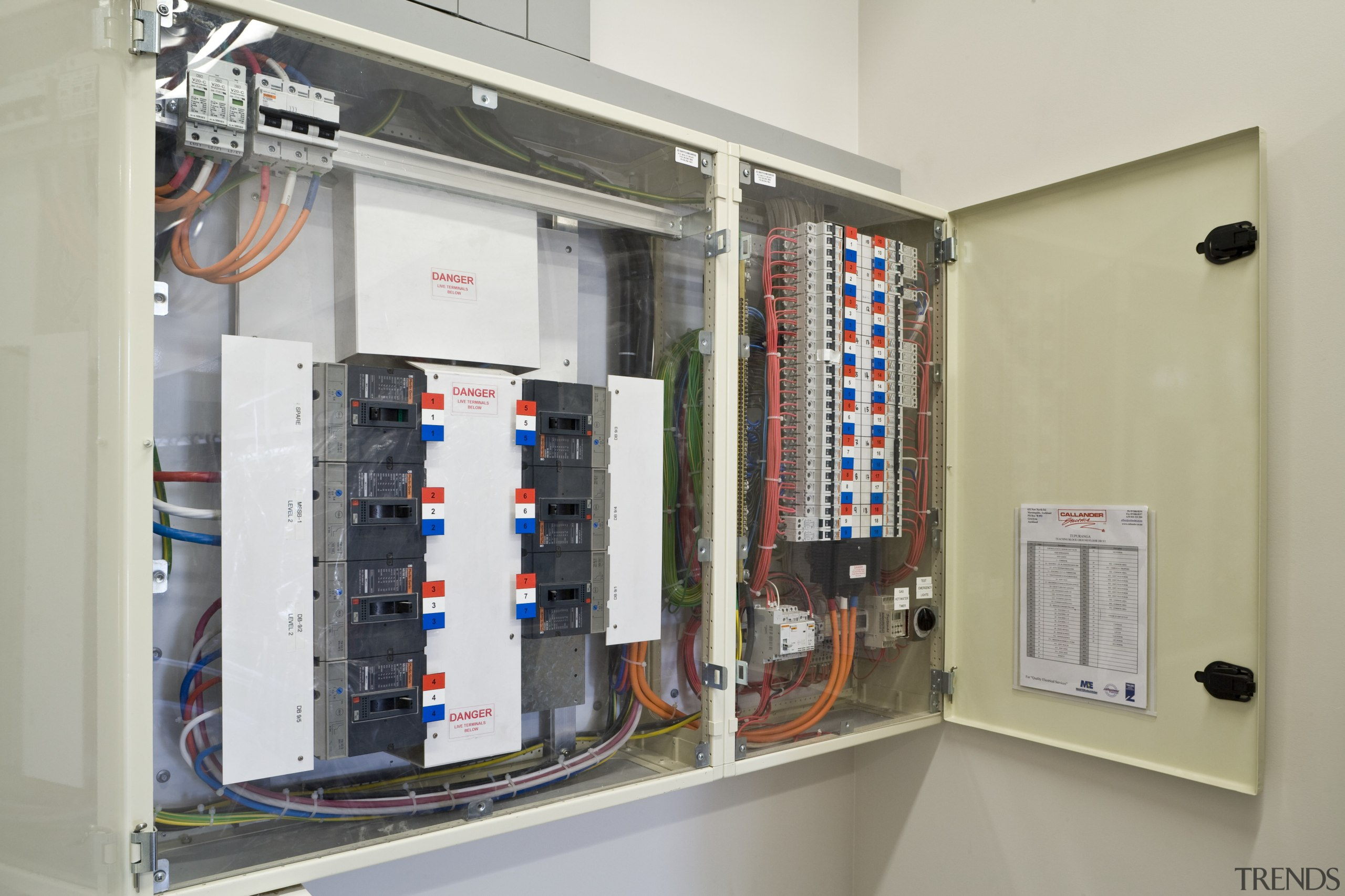 View of a power distribution board     - Gallery - 3 | Trends