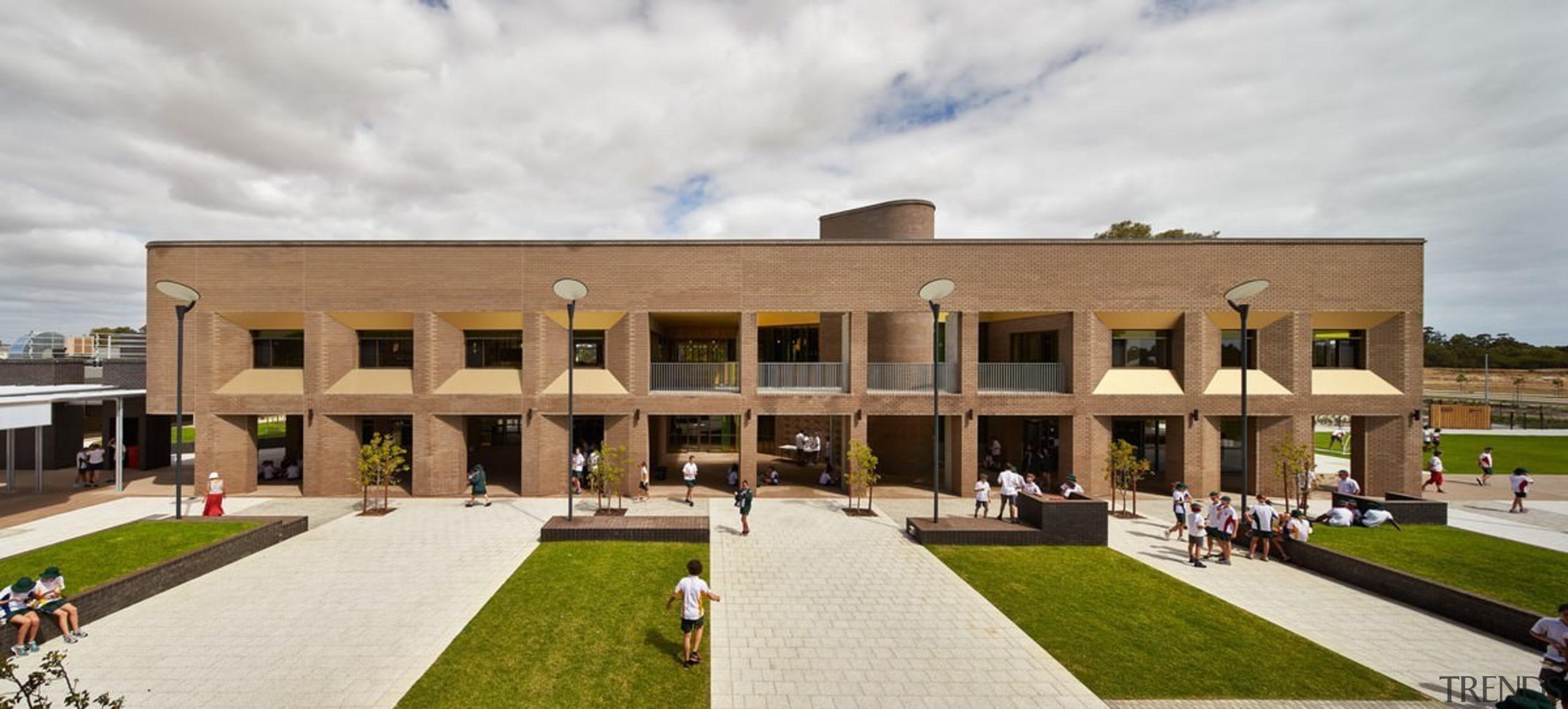 Bunbury Catholic College – Mercy Campus - Bunbury building, campus, estate, house, mansion, official residence, property, real estate, white, brown