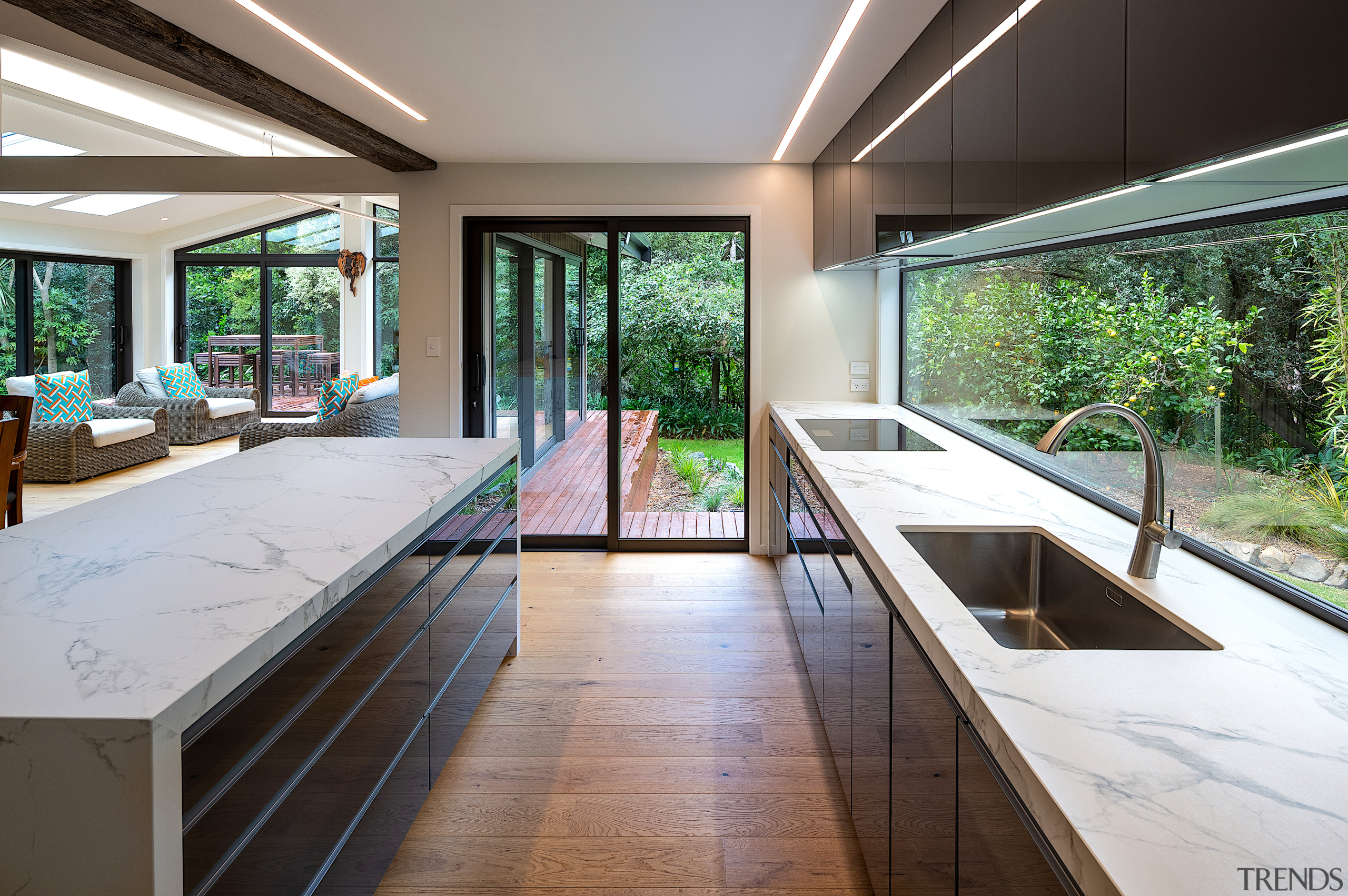 Recessed pulls on the cabinetry optimise ease of