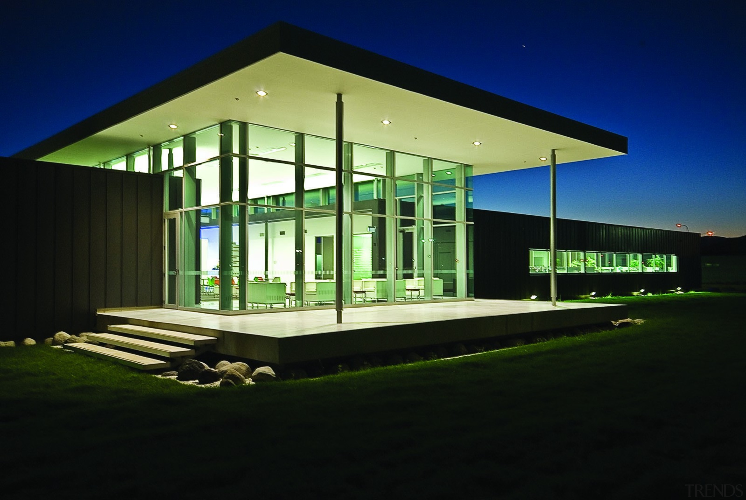 KEV0350 - KEV0 350 - architecture | commercial architecture, commercial building, corporate headquarters, facade, home, house, lighting, night, structure, black