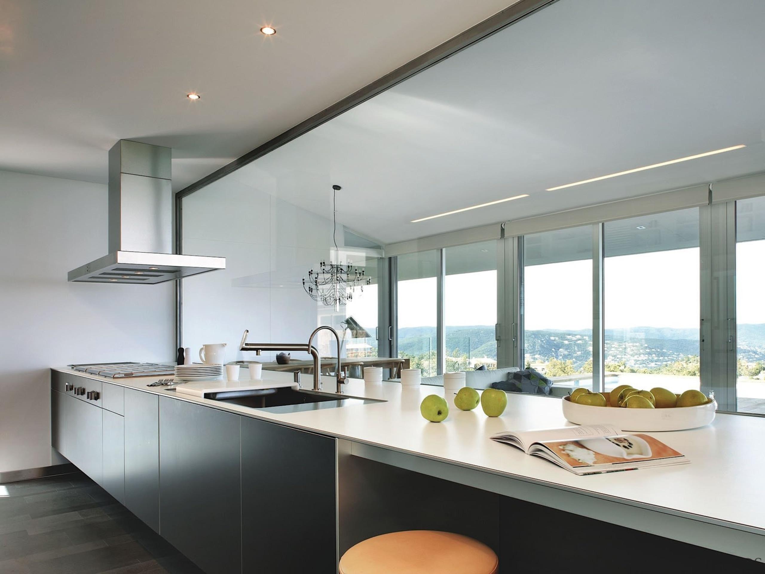 Silestone Quartz Kitchen Cocina Blanco Zeus Extreme architecture, countertop, cuisine classique, interior design, kitchen, real estate, window, gray