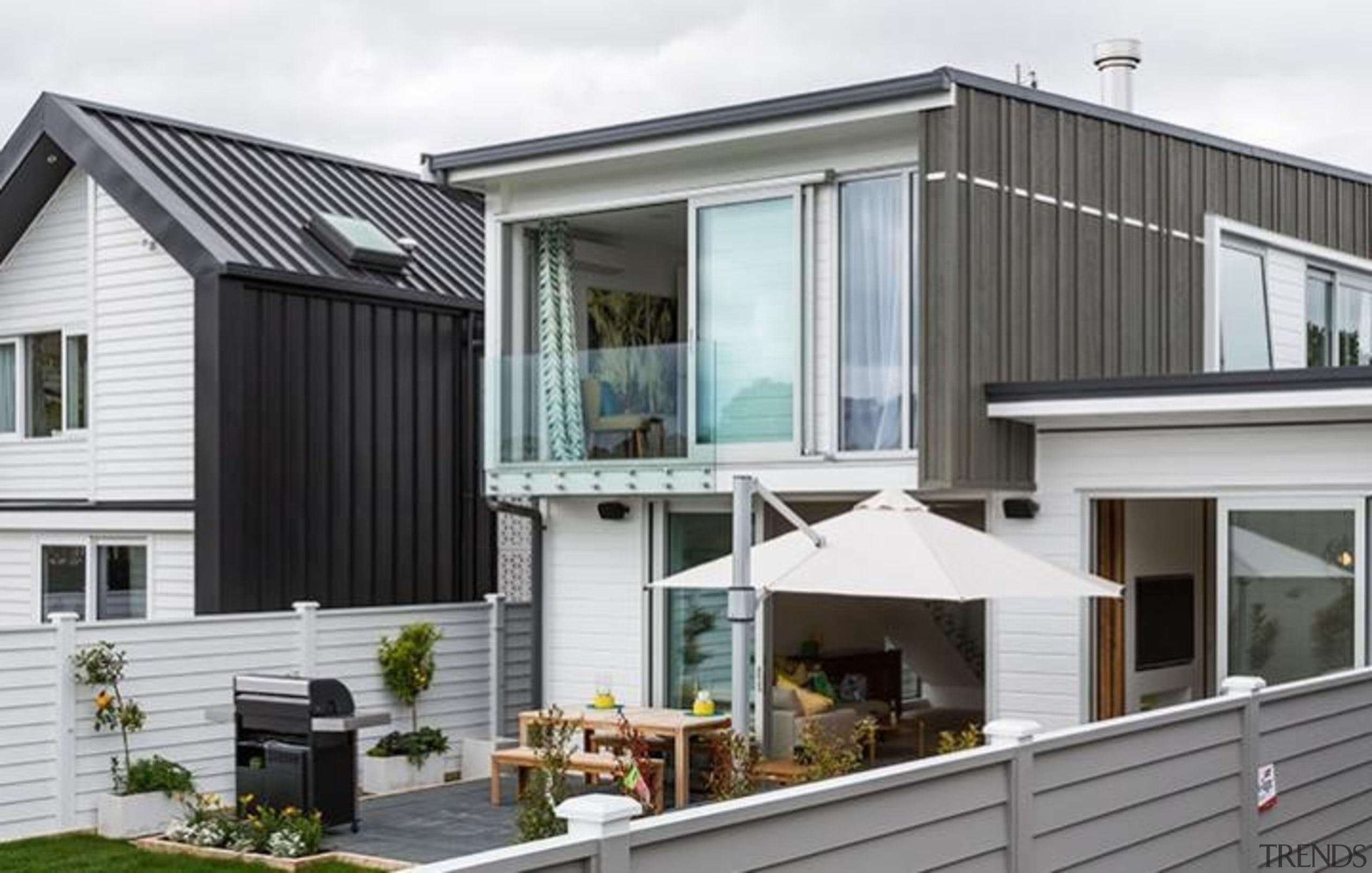 A-lign Concealed Fix 03 - A-lign Concealed Fix elevation, facade, home, house, property, real estate, residential area, siding, window, gray, white
