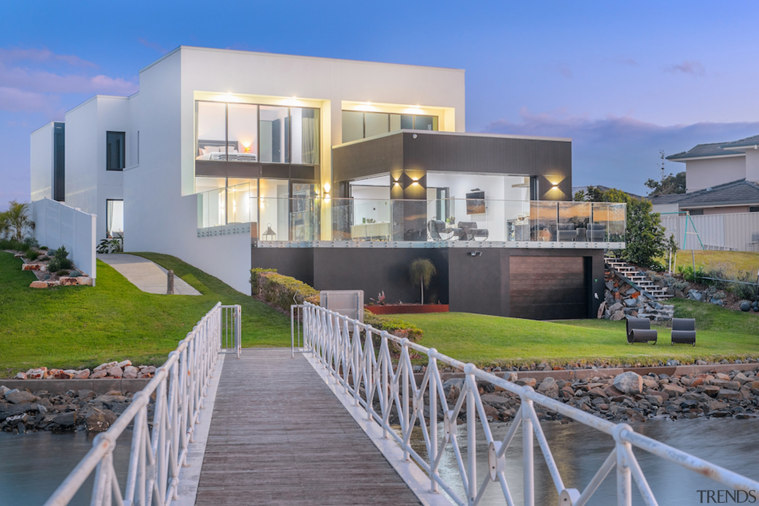 The expanded back of the home meets the apartment, architecture, building, design, estate, facade, home, house, interior design, mixed-use, property, real estate, residential area, room, sky, urban design, villa, gray