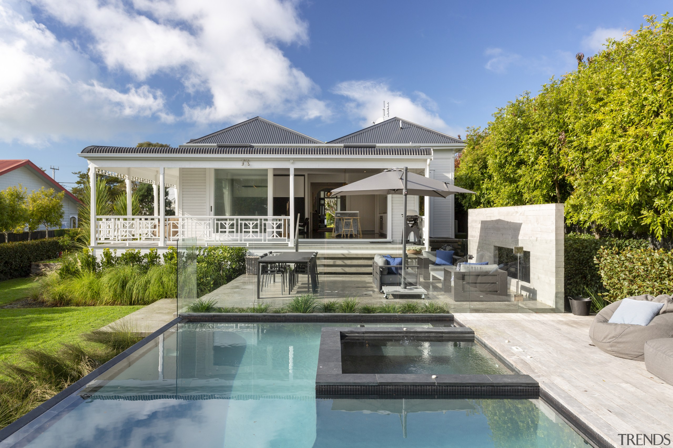 Winner – Matt Brew Architect – 2018 TIDA backyard, cottage, elevation, estate, home, house, mansion, property, real estate, residential area, swimming pool, villa, gray