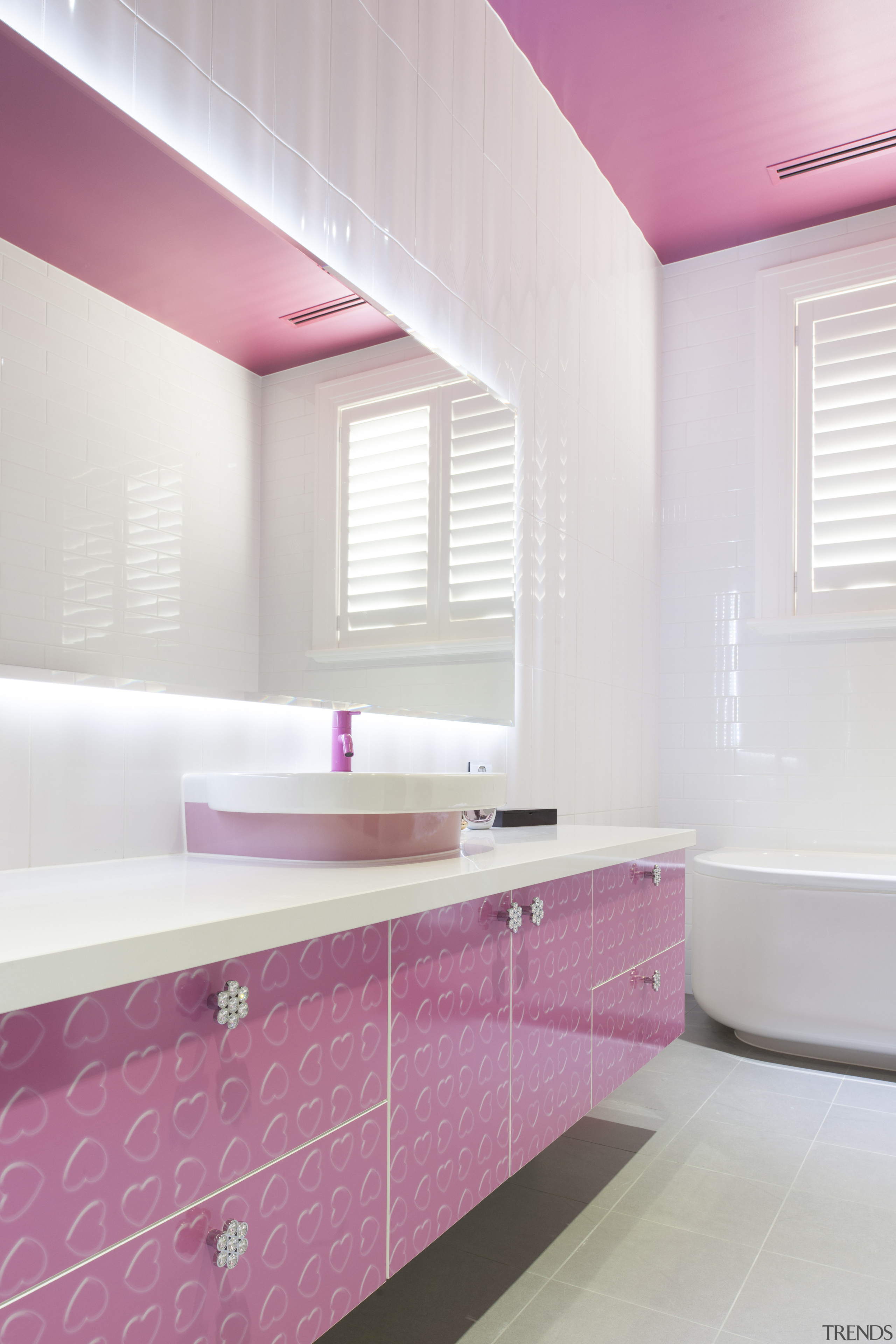 Everything In This Girl S Bathroom Gallery 4 Trends