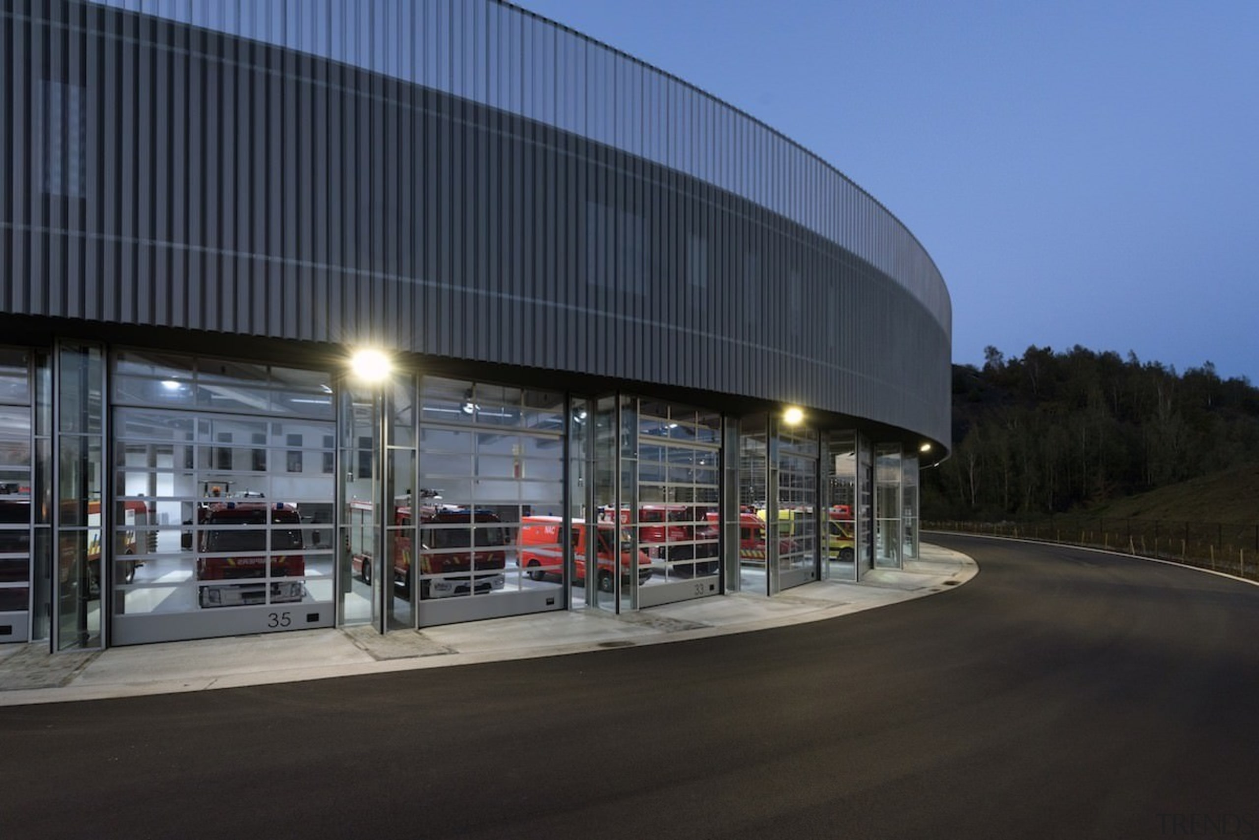 569 firestation - 569 firestation - building | building, corporate headquarters, mixed use, structure, black