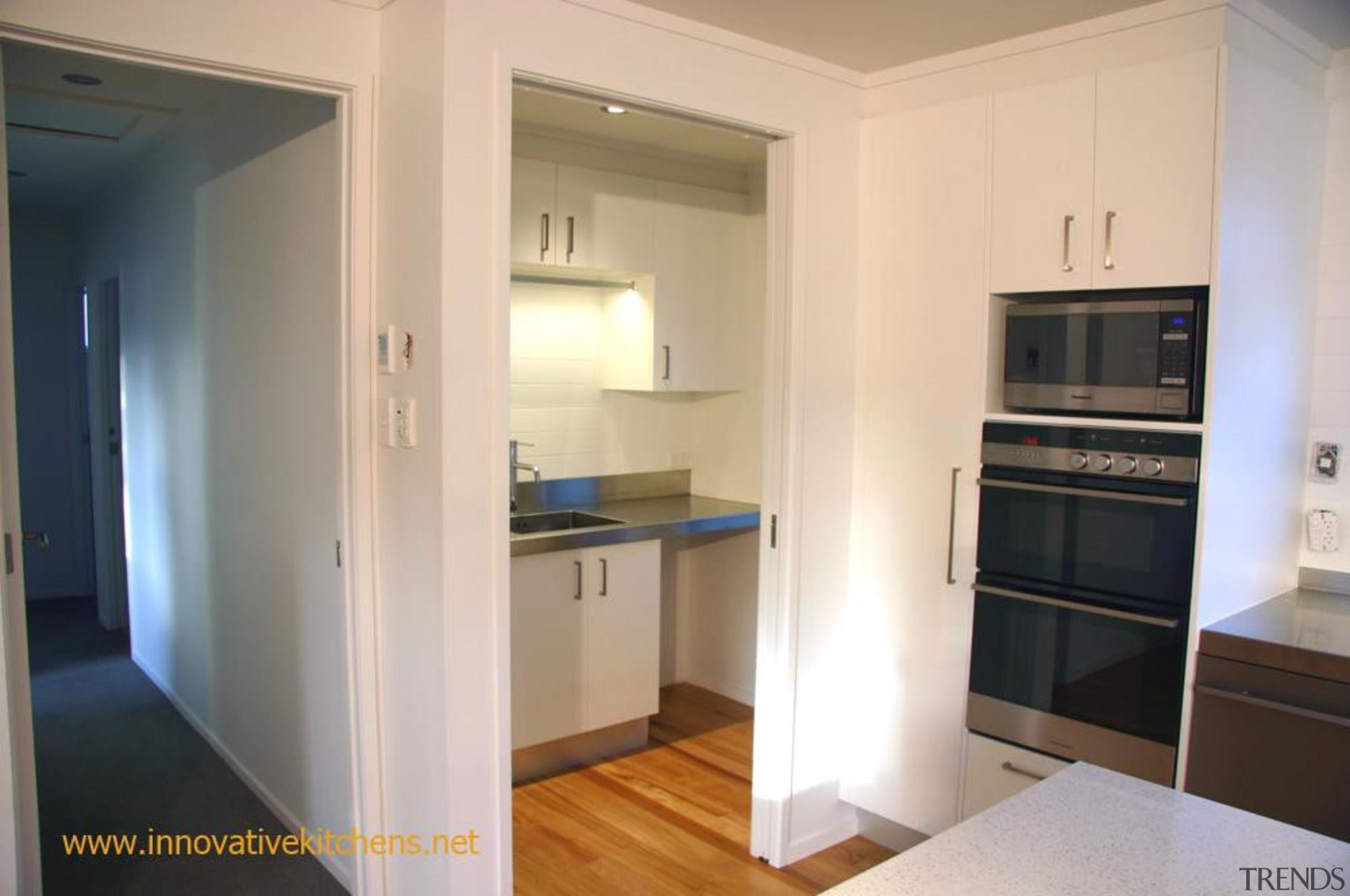moder_glendowie_2013_7.jpg - apartment | cabinetry | countertop | apartment, cabinetry, countertop, floor, home, home appliance, interior design, kitchen, property, real estate, room, gray
