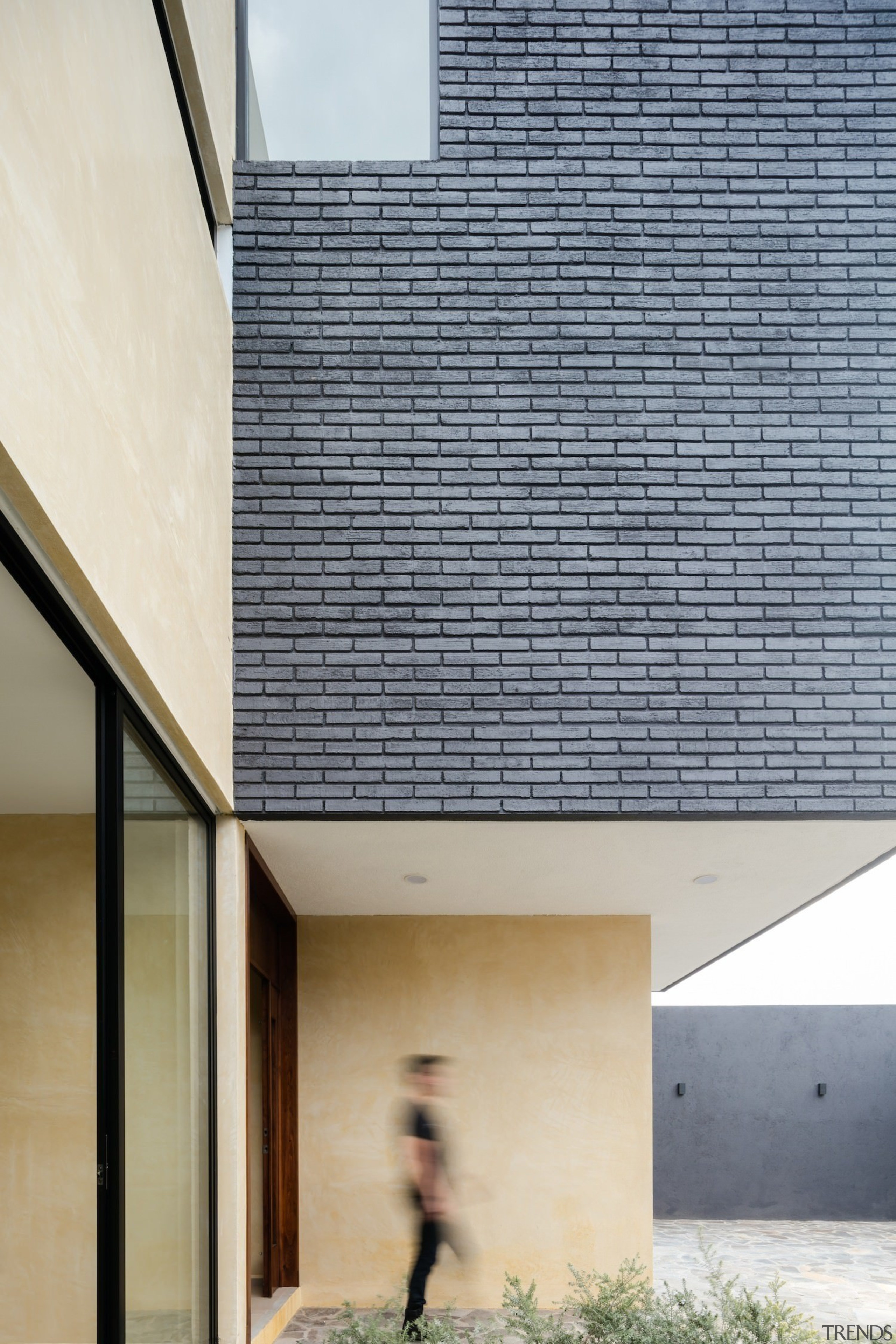 Architect: Espacio 18 ArquitecturaPhotography by Lorena Darquea architecture, building, daylighting, daytime, facade, house, roof, sky, window, gray, white