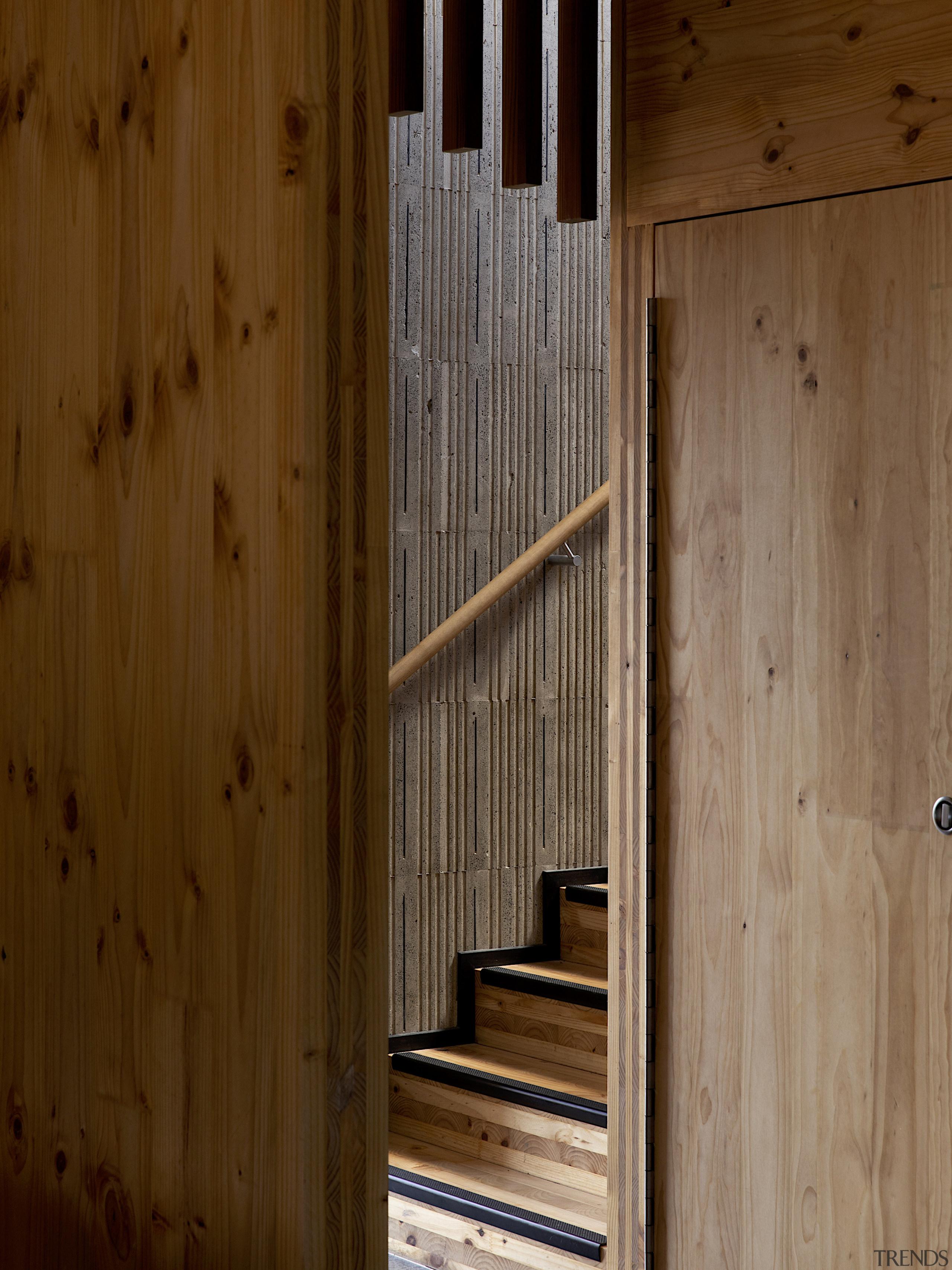 Stairs – Tuarangi by TOA architects - Pushing brown