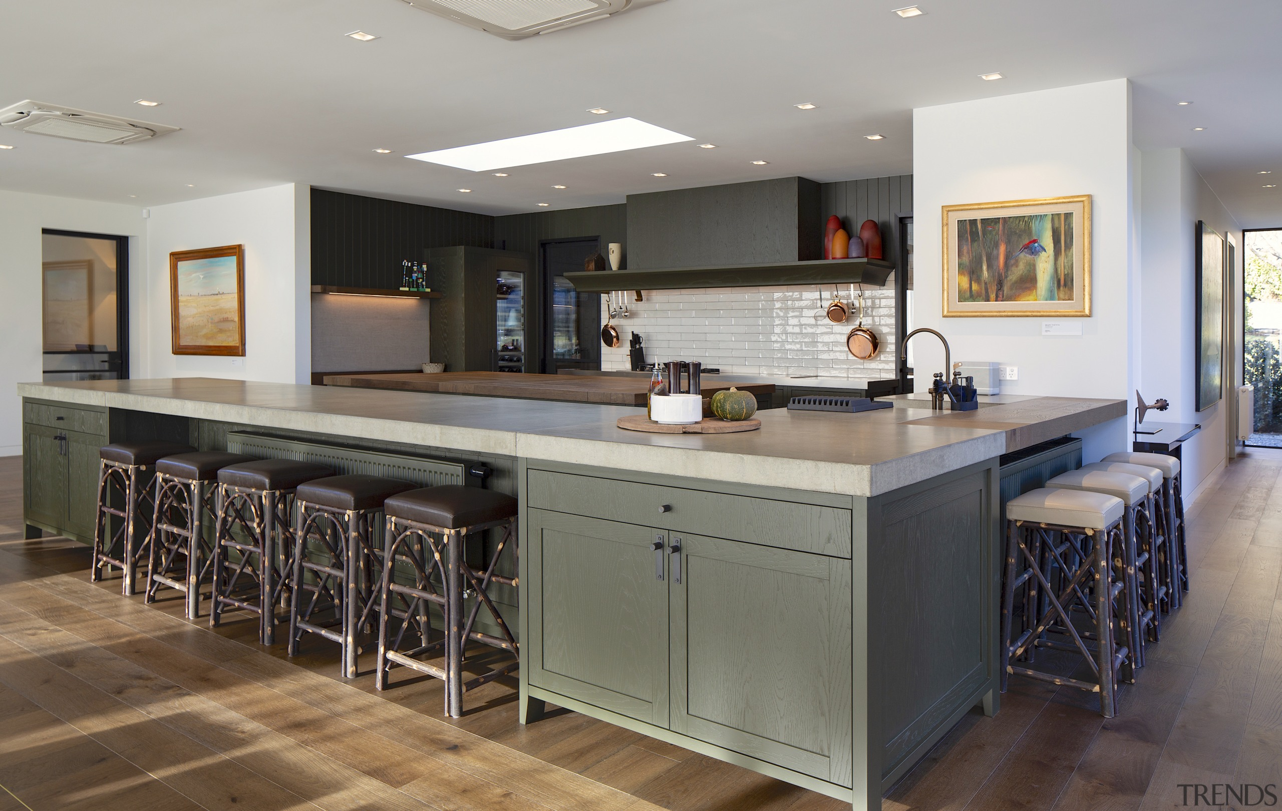 Colours and materials in this large farmhouse kitchen