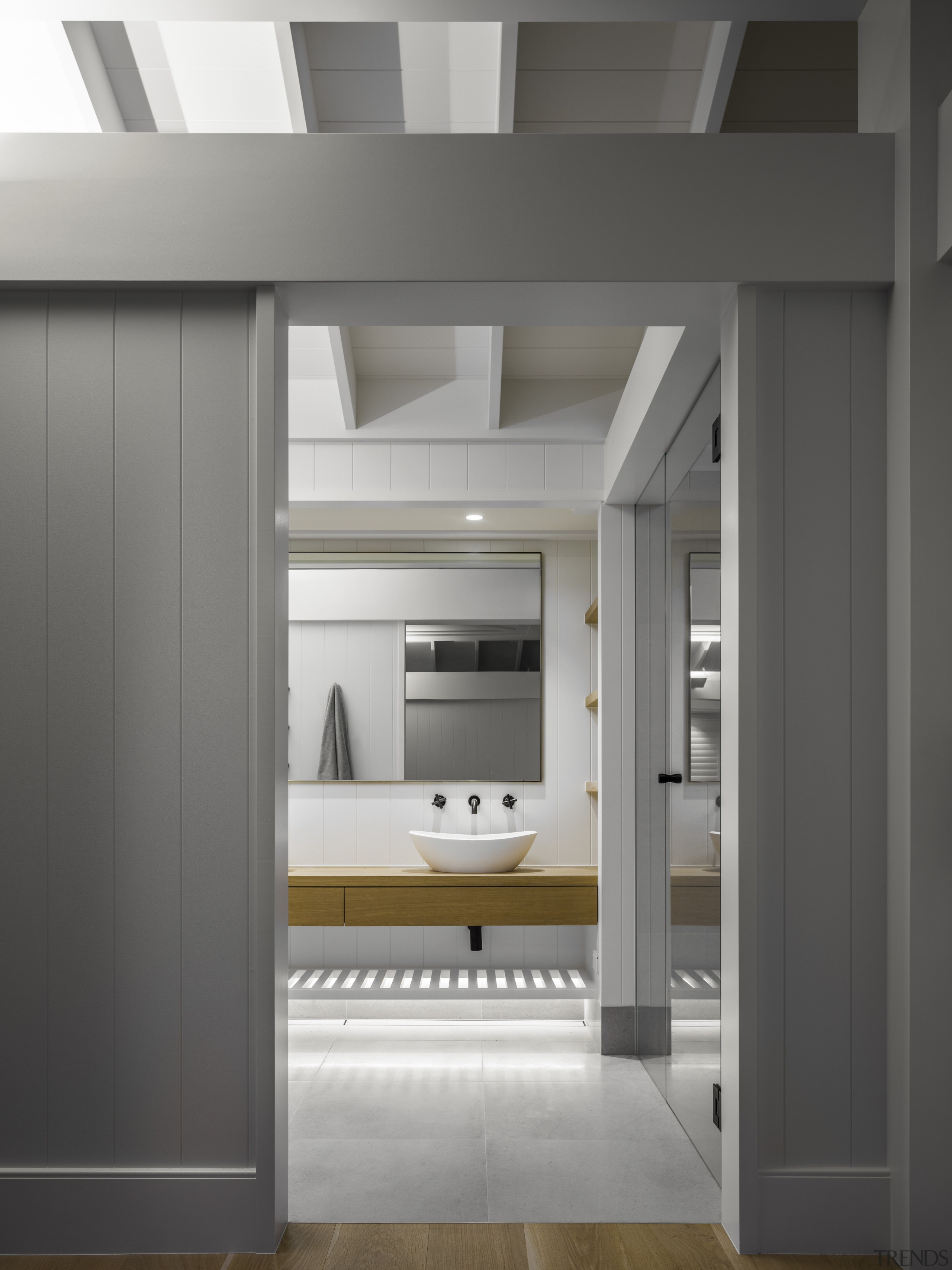 For this ensuite by Hither Consulting, the ceiling architecture, ensuite, hither consulting