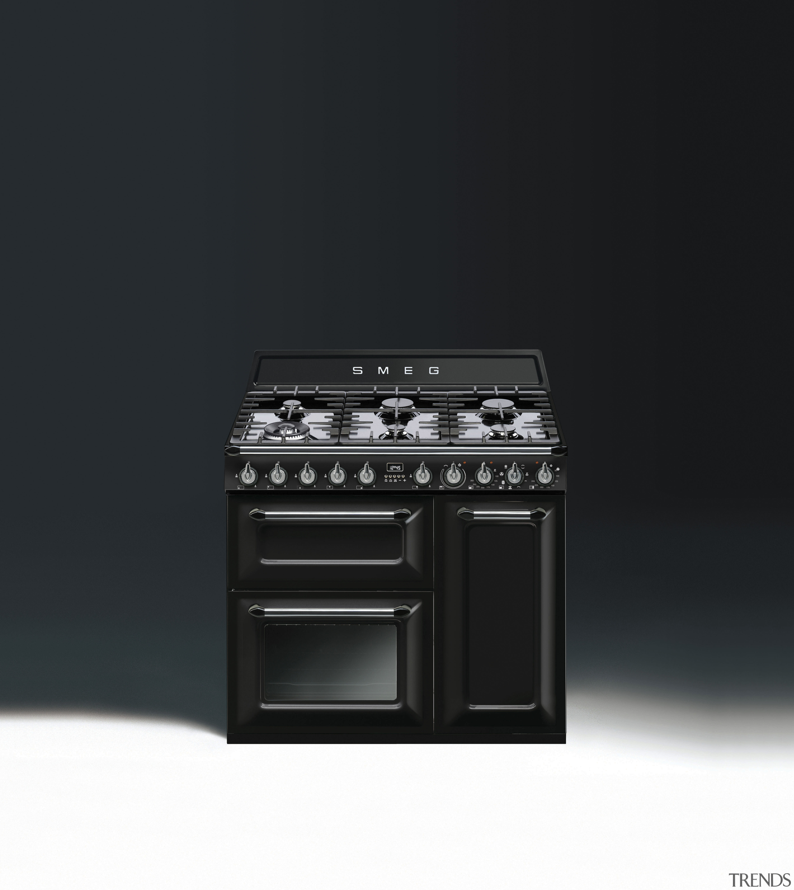The 90cm-wide Victoria is also available in an electronic instrument, electronics, gas stove, home appliance, product, product design, black