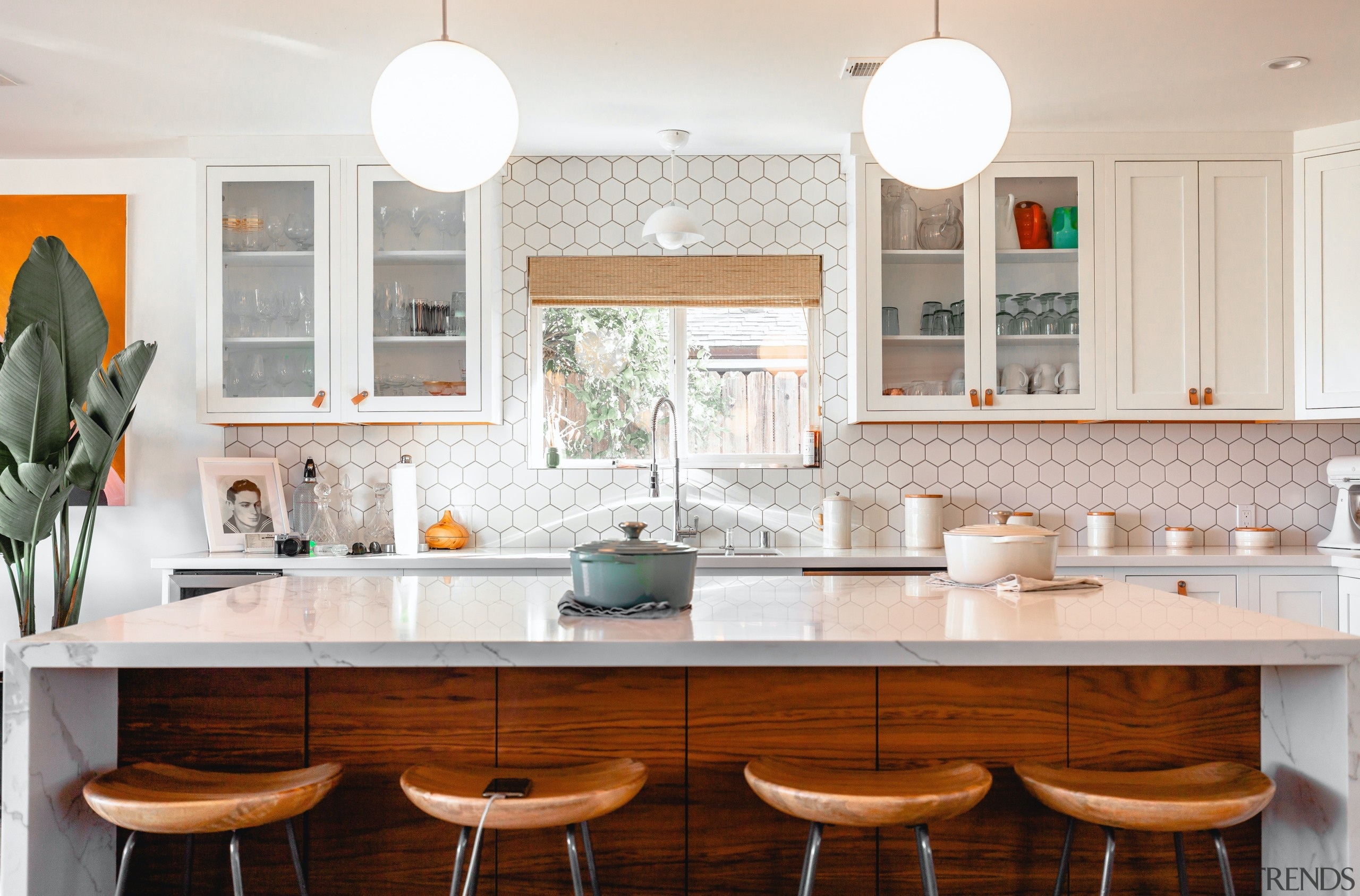 Kitchen with hexagon tile splashback -