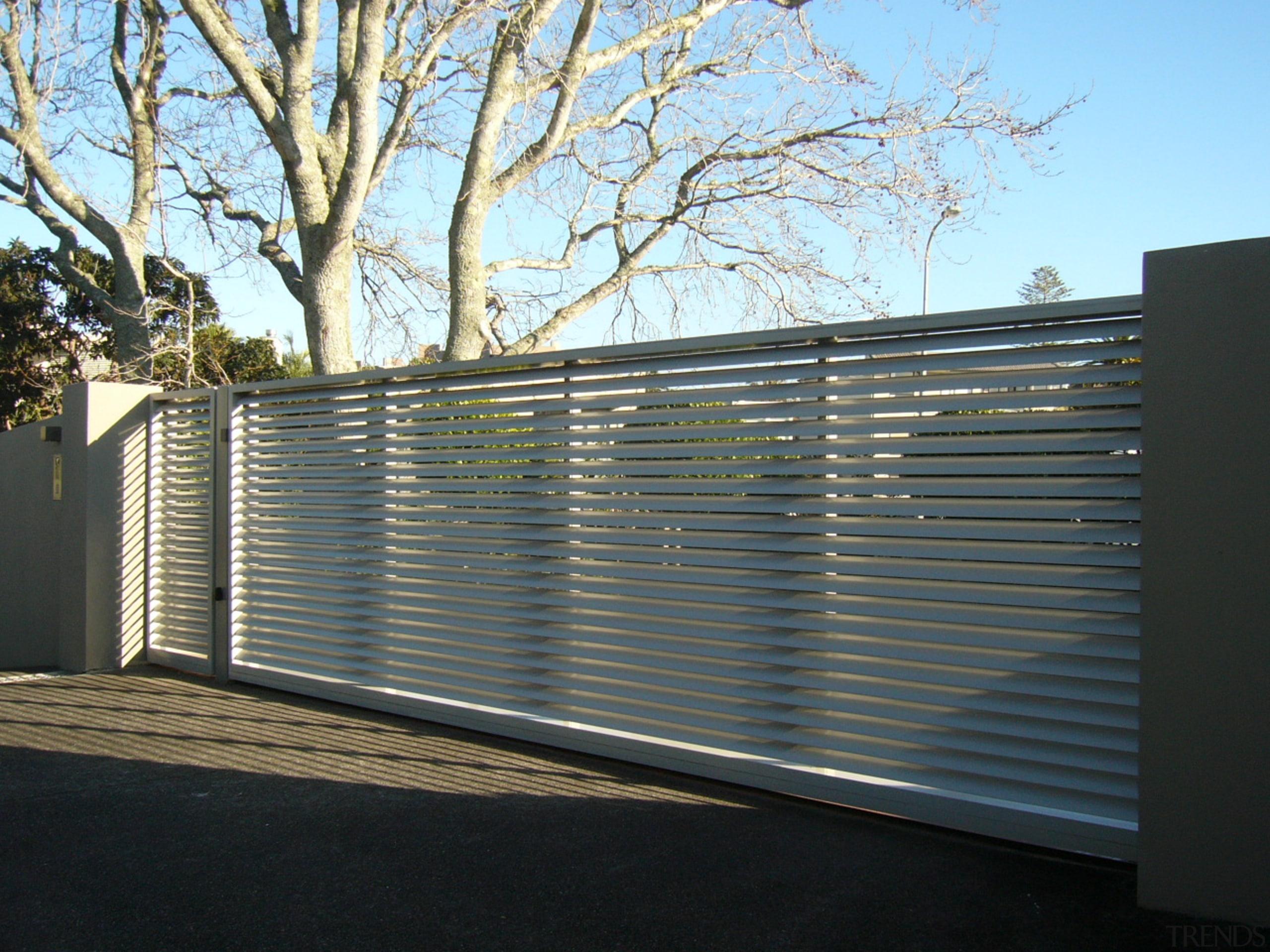 78580_louvretec-new-zealand-ltd_1556758110 - aluminium | architecture | daylighting | aluminium, architecture, daylighting, facade, fence, gate, home fencing, line, material property, metal, real estate, wall, black, gray