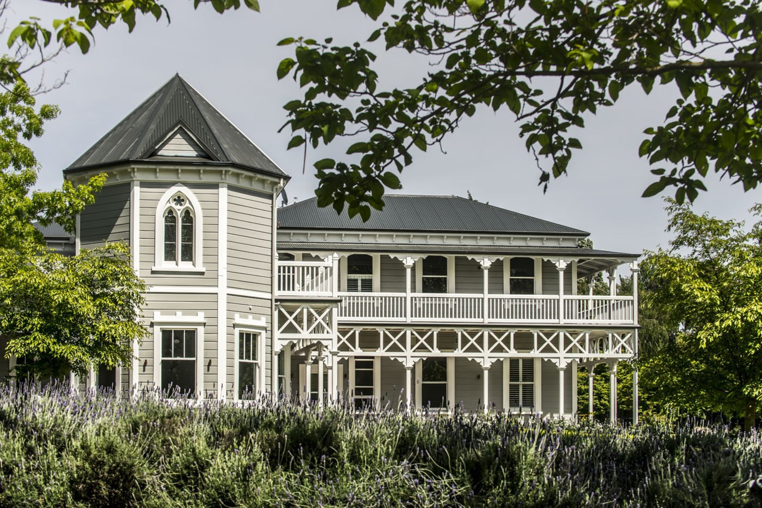 Marlborough Lodge, Blenheim, New Zealand - architecture | architecture, building, cottage, estate, farmhouse, historic house, home, house, manor house, mansion, north american fraternity and sorority housing, plantation, property, real estate, residential area, roof, tree, villa, window, gray, brown