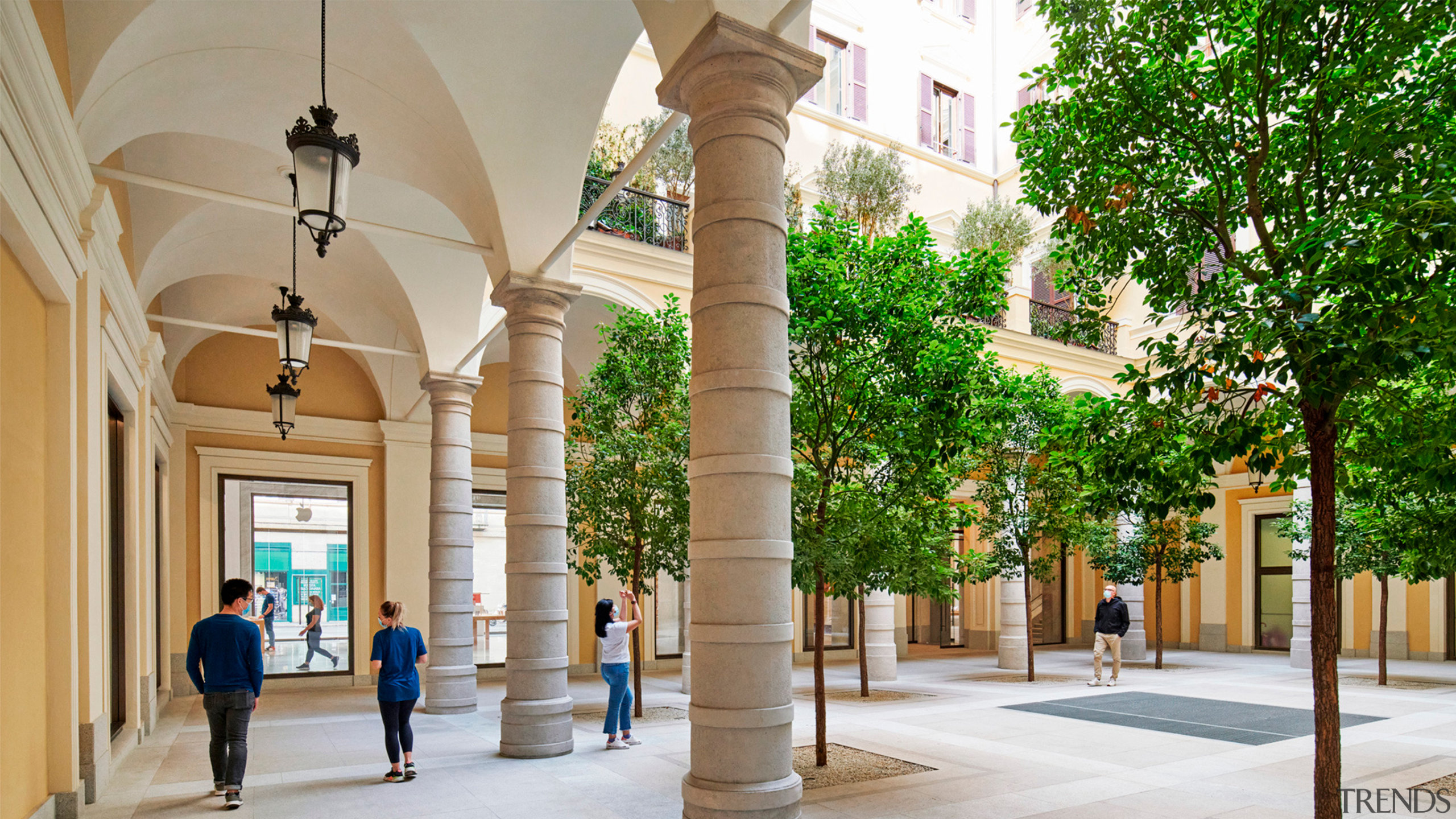 The popular historic Palazzo Marignoli – Apple's new