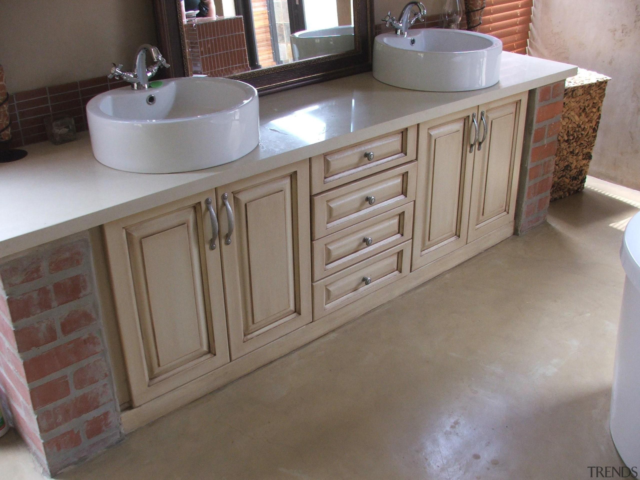 Colour hardener  23 - Colour_hardener__23 - bathroom bathroom, bathroom accessory, bathroom cabinet, cabinetry, countertop, cuisine classique, drawer, floor, flooring, furniture, hardwood, kitchen, room, sink, tile, wood stain, gray