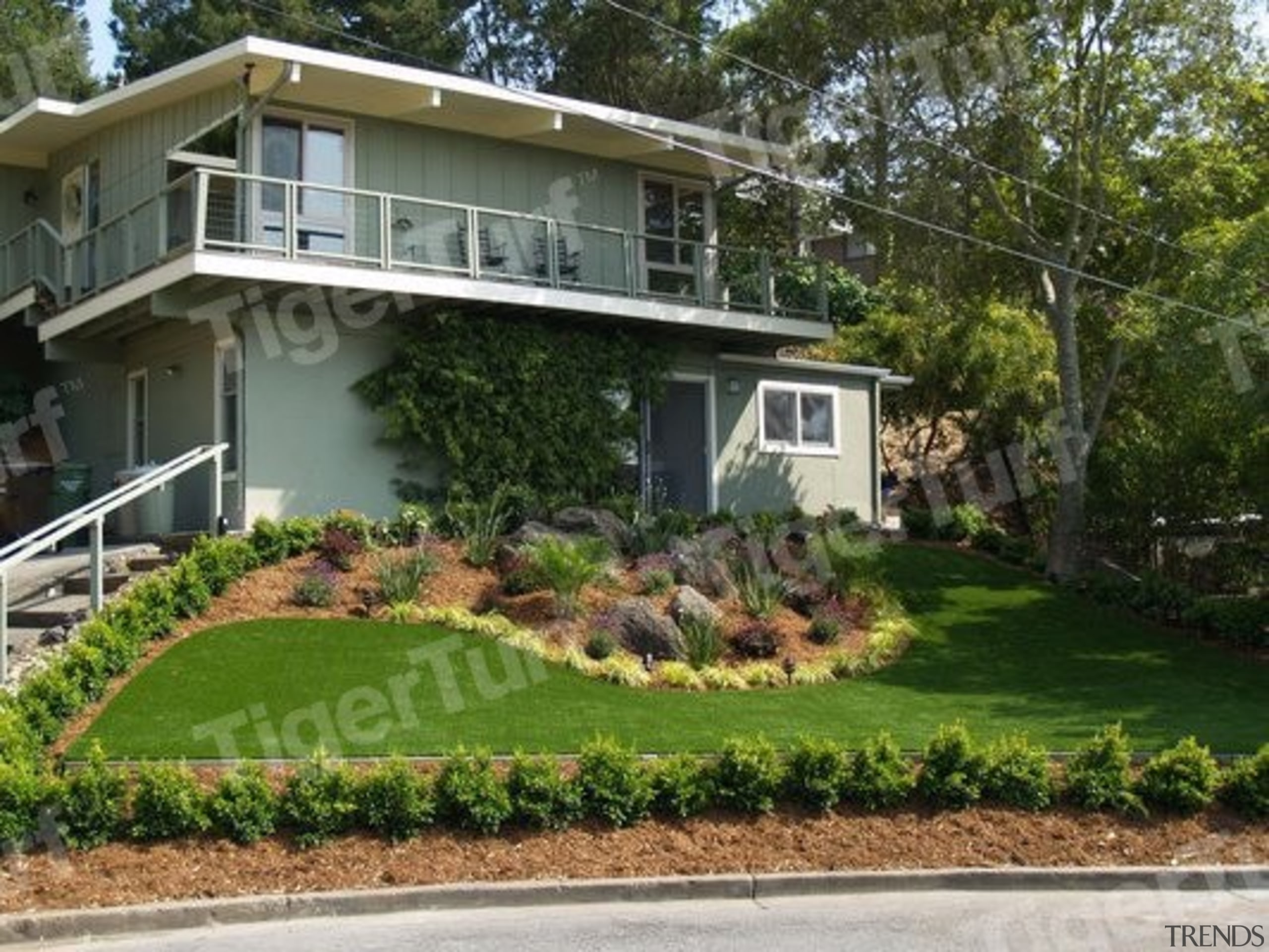 0Cb7A Wmfrontgarden - backyard | cottage | estate backyard, cottage, estate, facade, garden, grass, home, house, land lot, landscape, landscaping, lawn, mansion, neighbourhood, plant, property, real estate, residential area, yard, brown