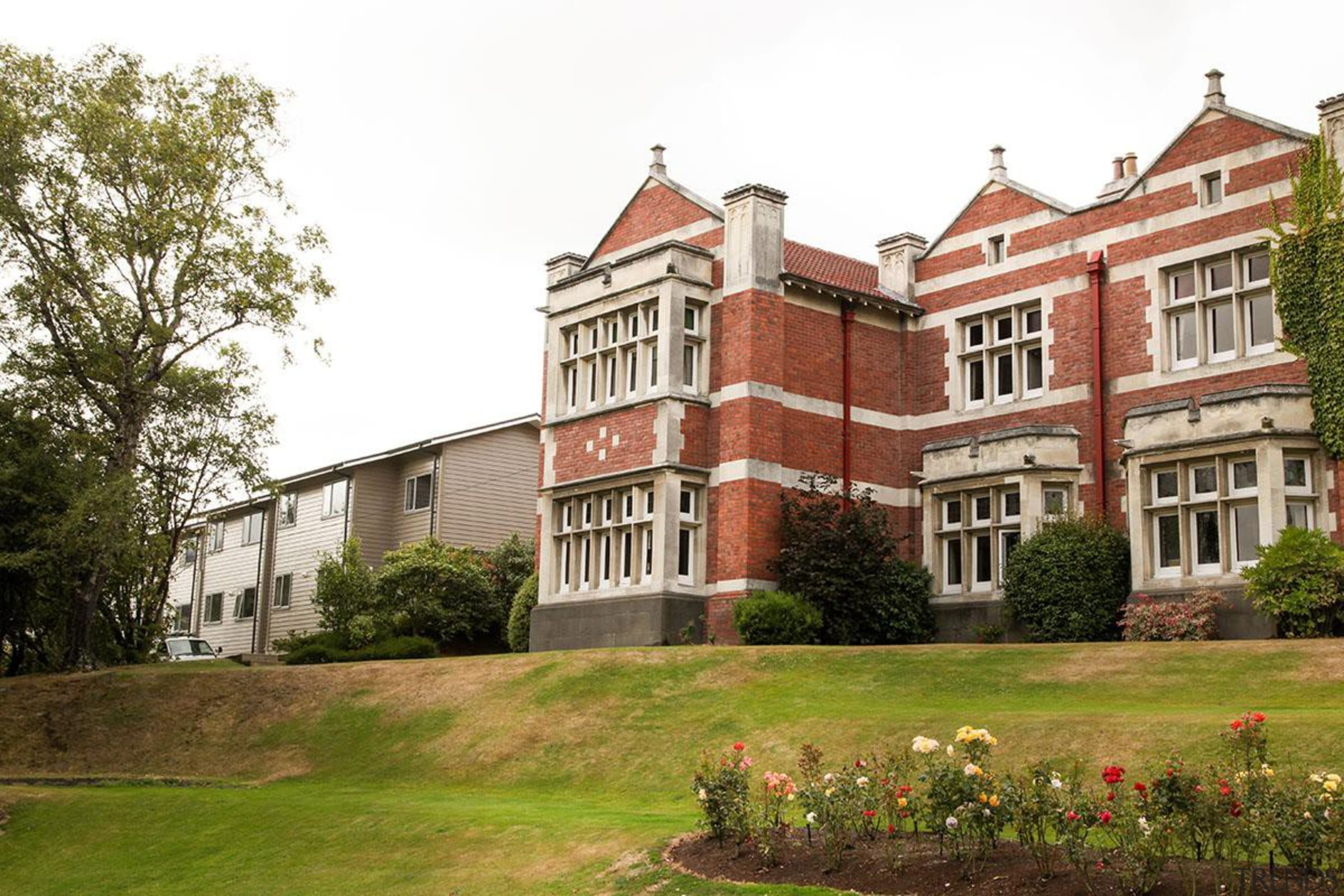 MERIT WINNERKnox College - Dunedin (2 of 4) building, campus, college, estate, facade, historic house, home, house, manor house, mansion, national trust for places of historic interest or natural beauty, property, real estate, stately home, tree, university, brown, white