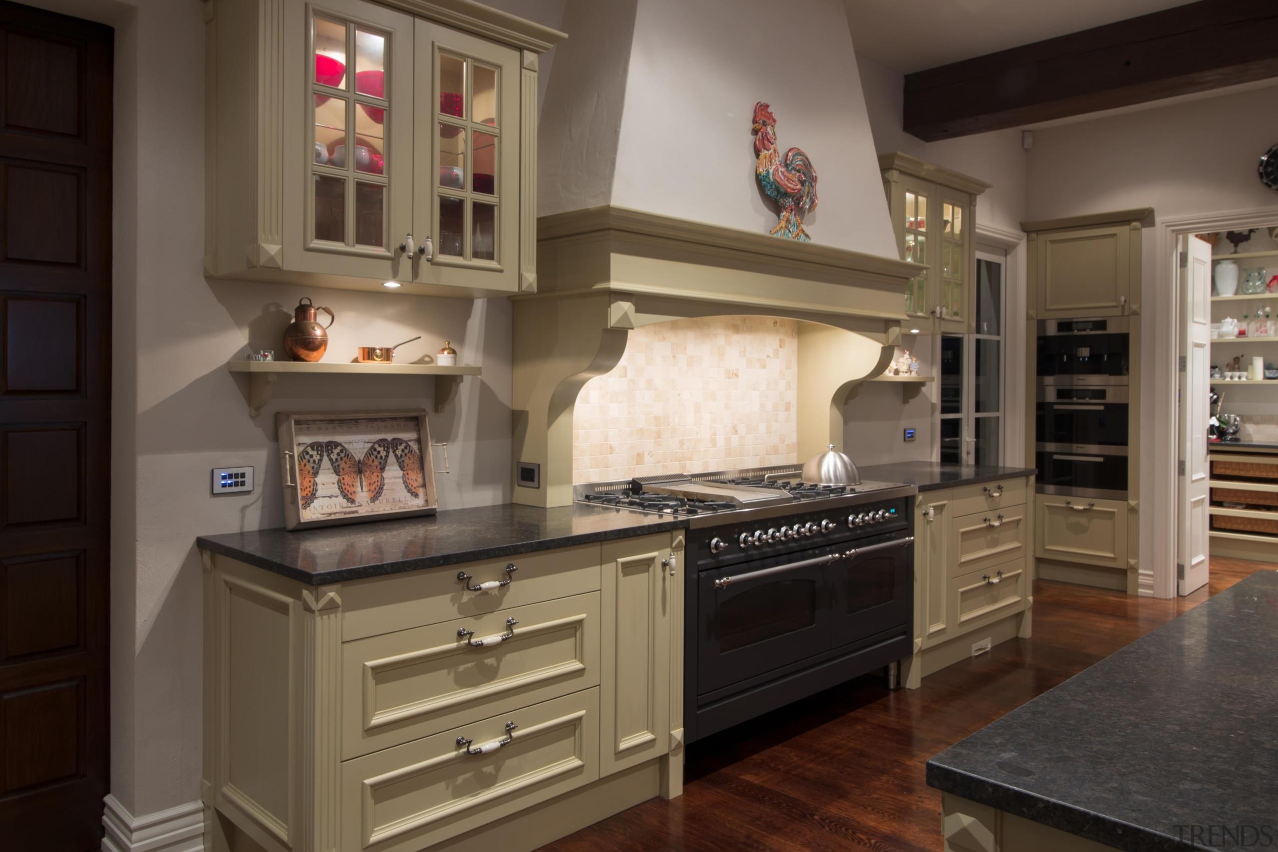 Img 4535 - cabinetry   countertop   cuisine cabinetry, countertop, cuisine classique, furniture, interior design, kitchen, room, brown, black