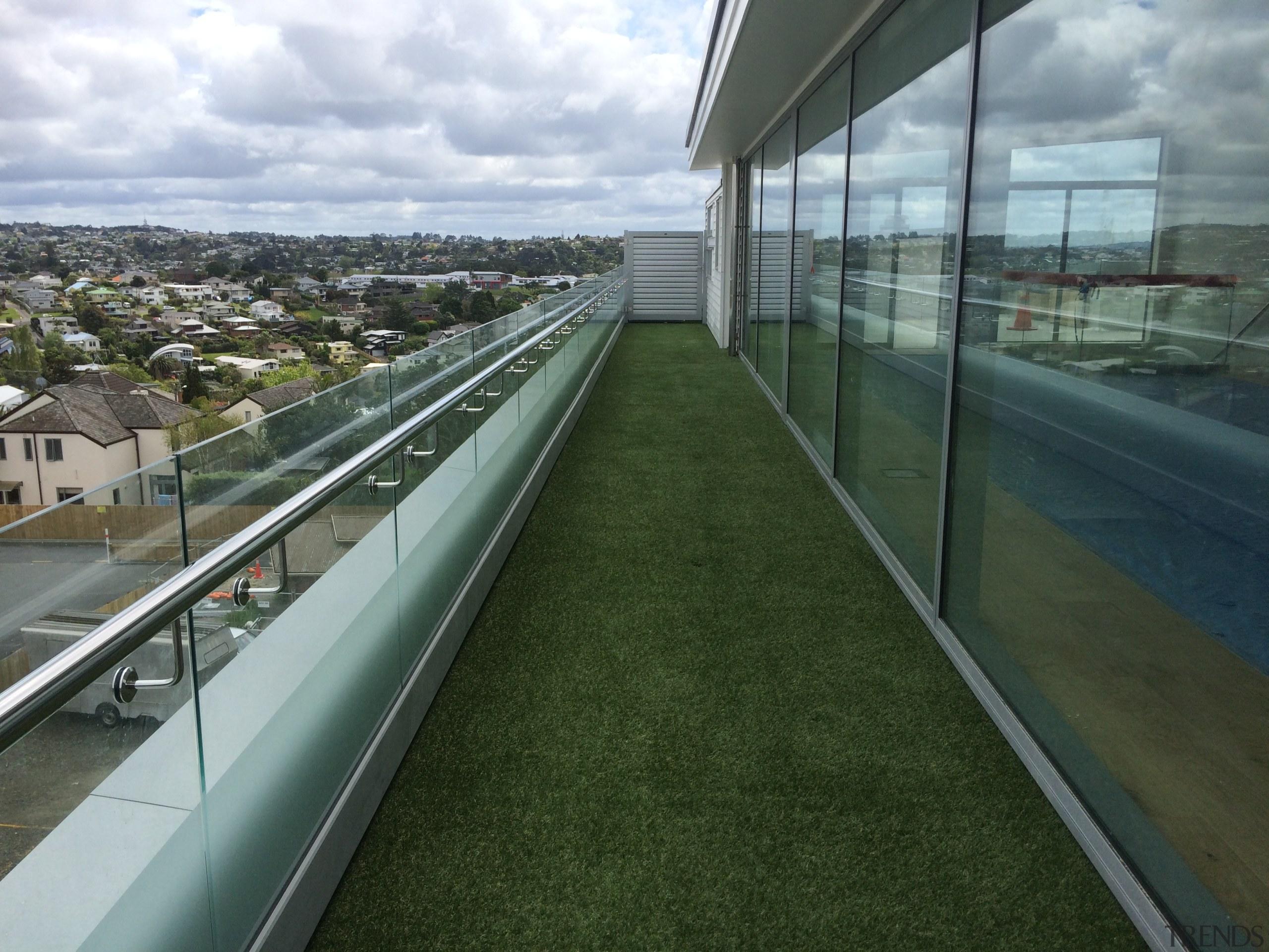 Rothesay Bay 1 - architecture | grass | architecture, grass, urban design, gray