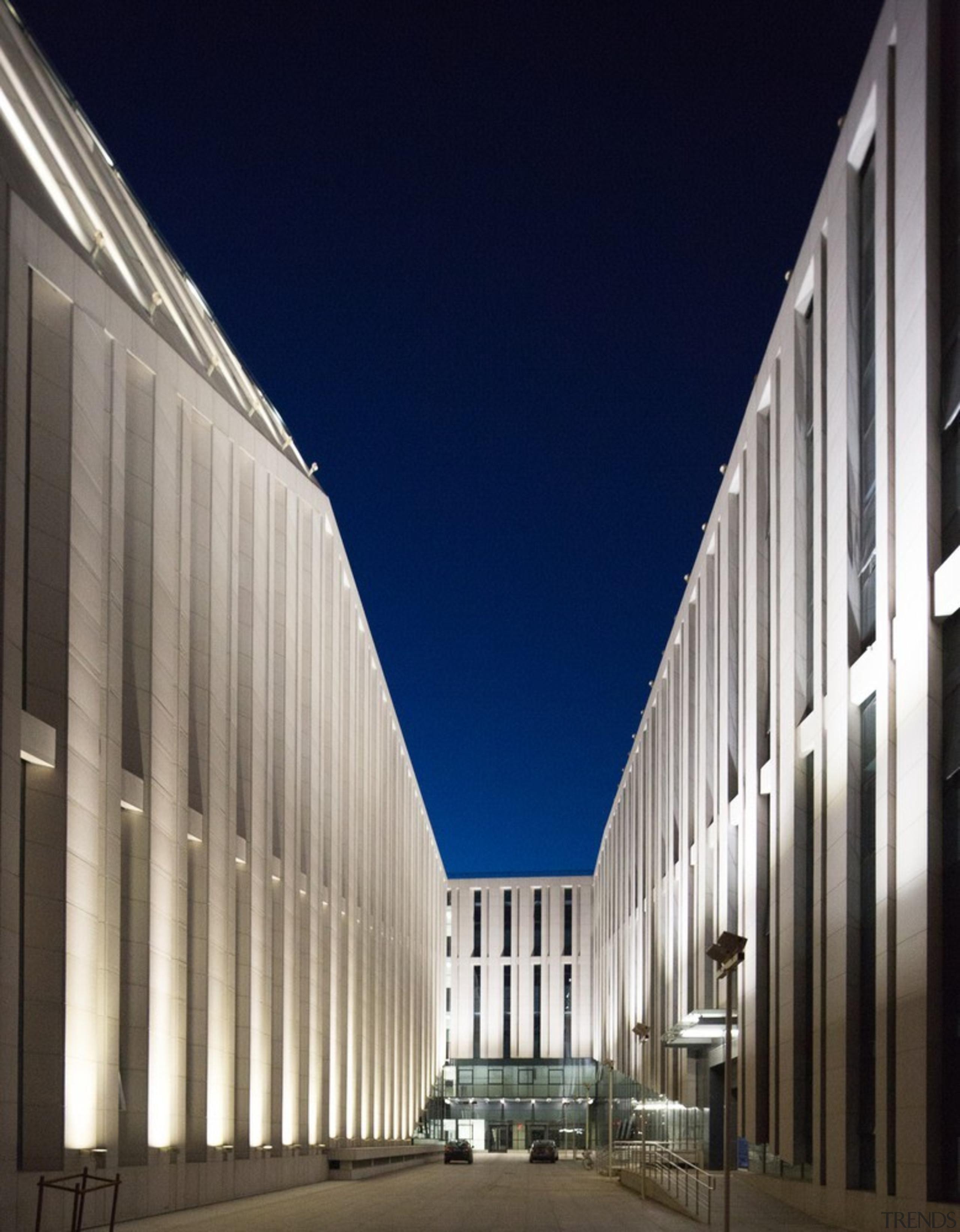xxx - architecture   building   commercial building architecture, building, commercial building, corporate headquarters, daylighting, facade, headquarters, metropolitan area, sky, structure, gray, blue