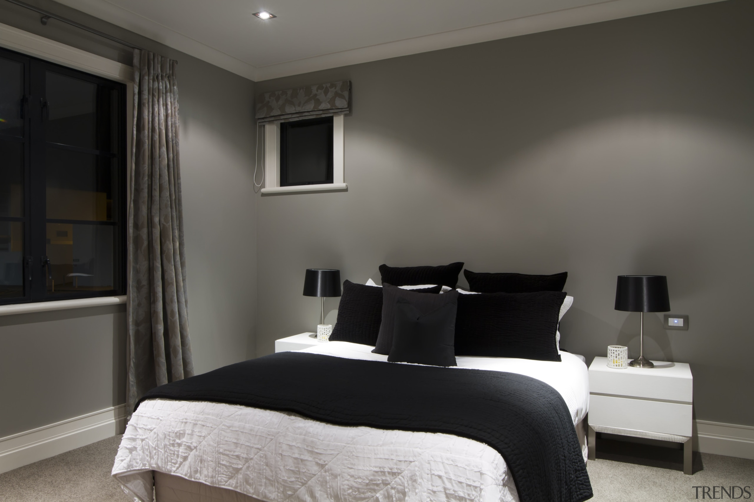 Bedroom with grey walls, white beds... - Gallery - 5 | Trends