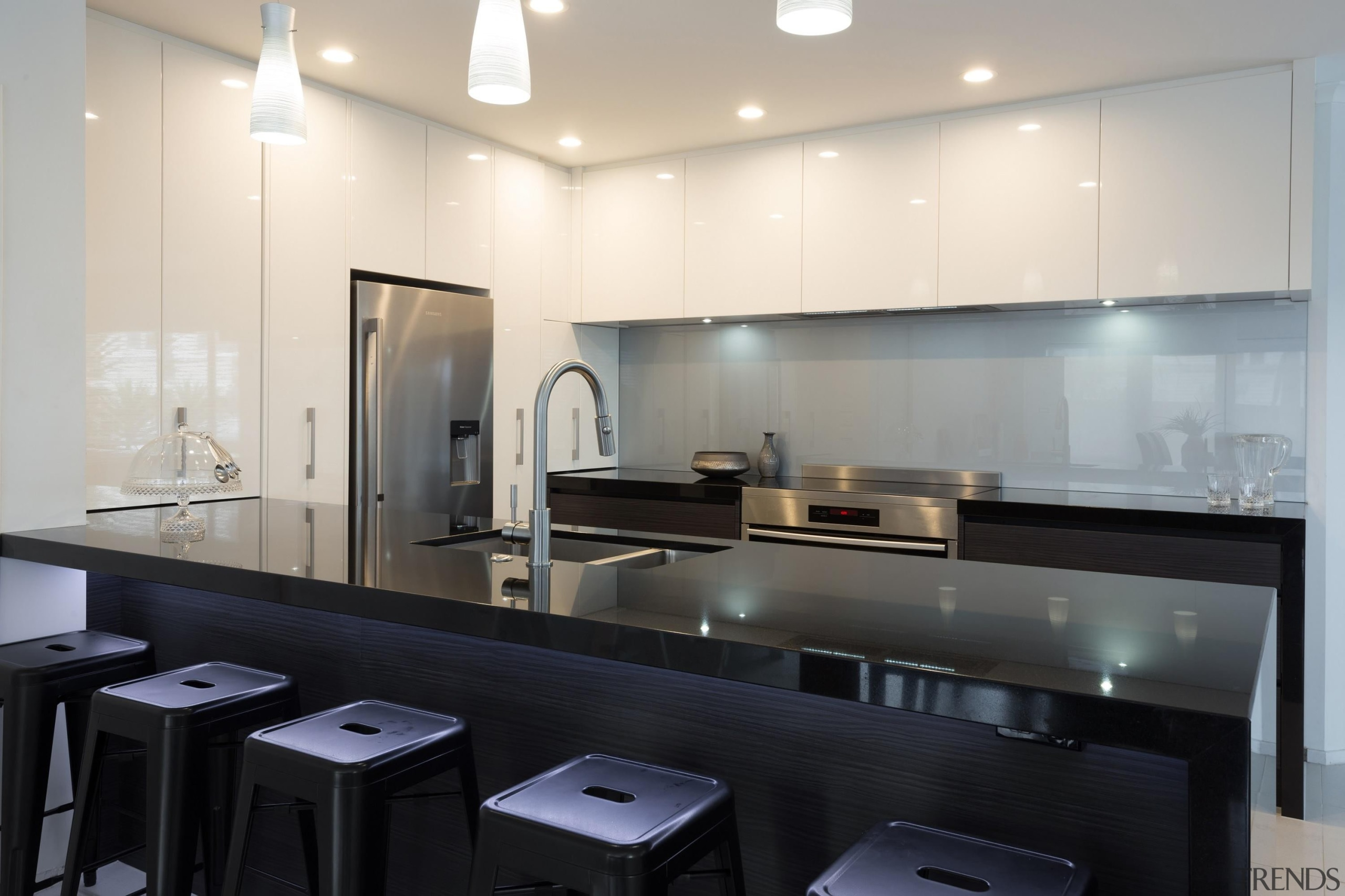 designatek gloss, designatek textured, profile handle, bar fridge, countertop, glass, interior design, kitchen, white, black, gray