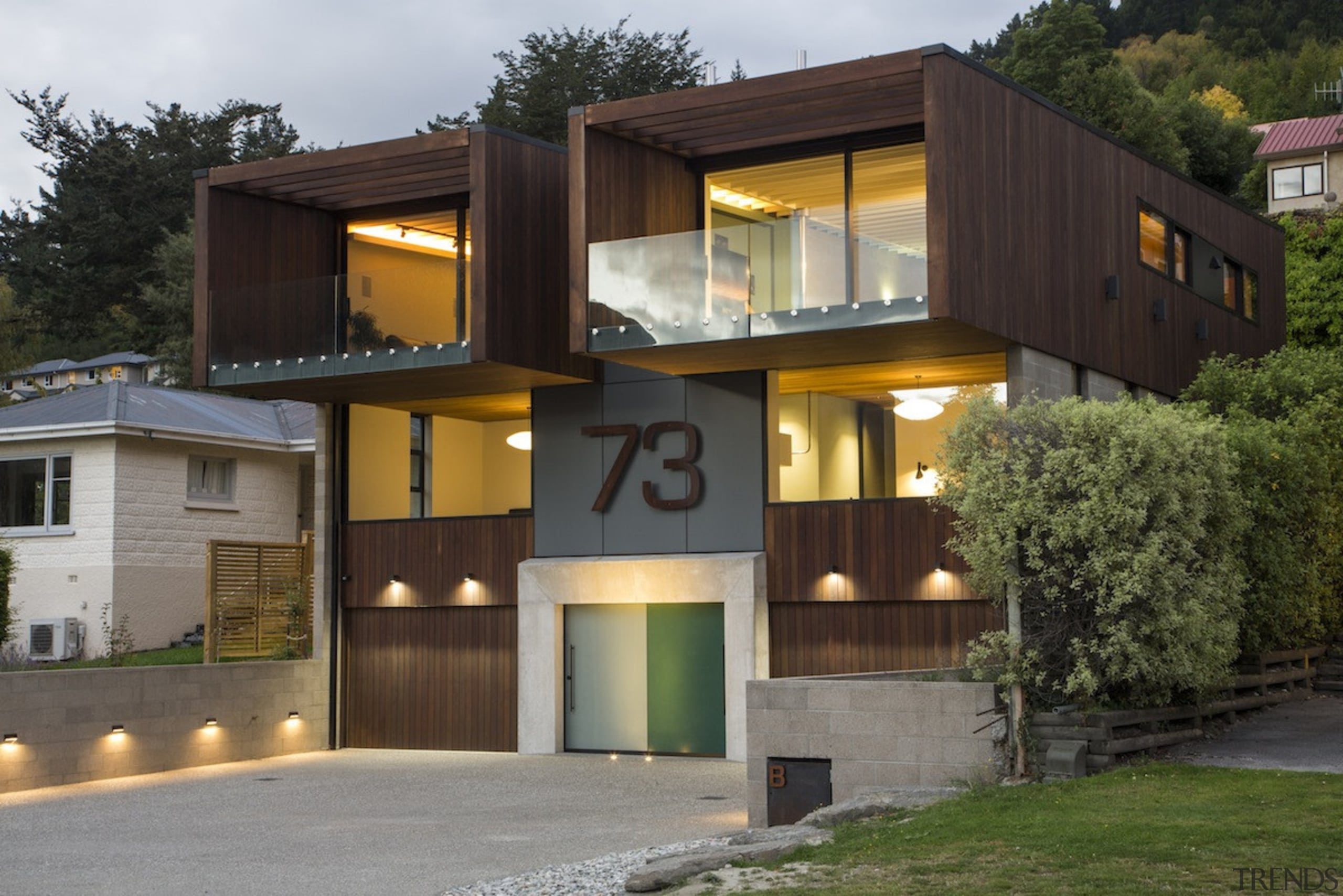 Arrowtown-based Bennie Builders was the only Southern Lakes architecture, building, elevation, facade, home, house, real estate, residential area, black, brown