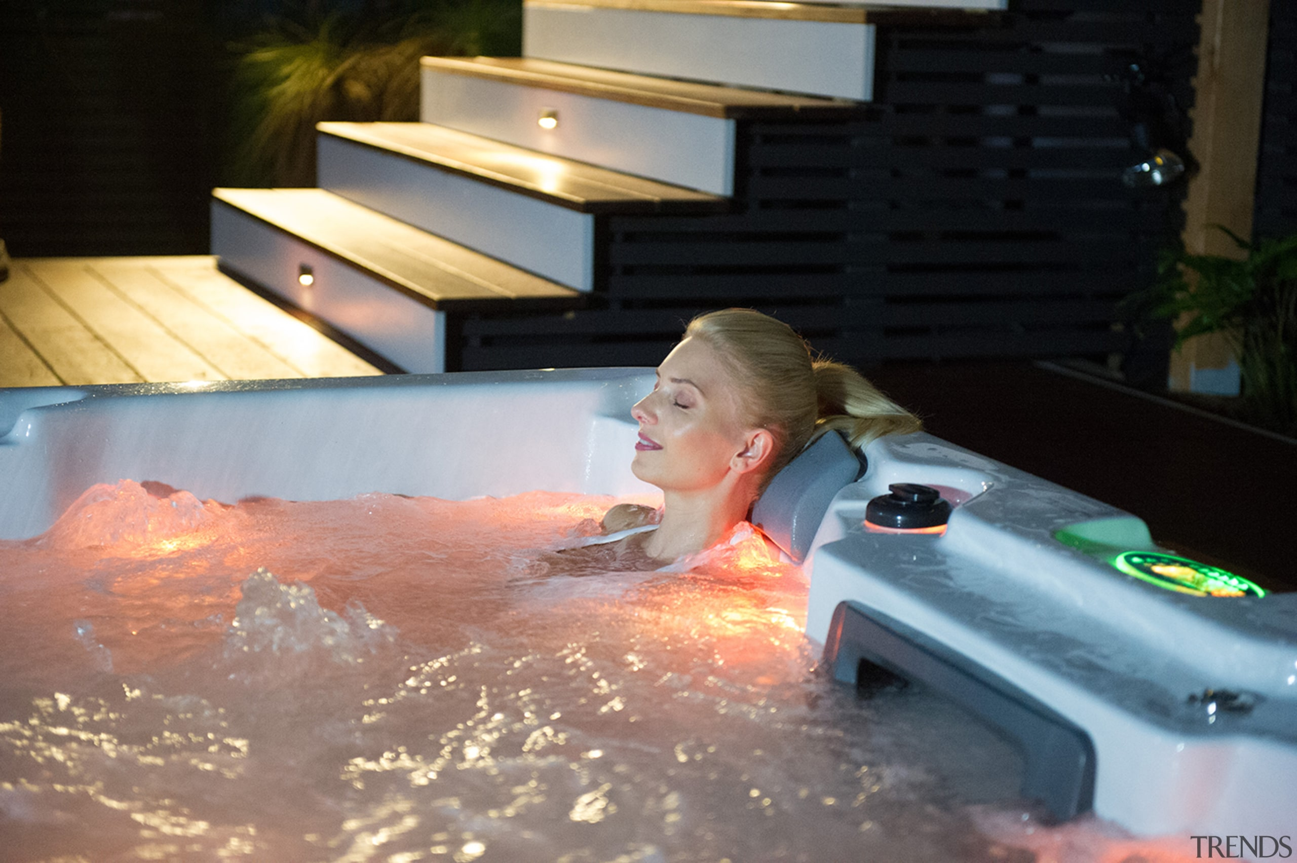 Oasis 096 - bathtub | fun | hot bathtub, fun, hot tub, jacuzzi, leisure, swimming pool, water, black, gray