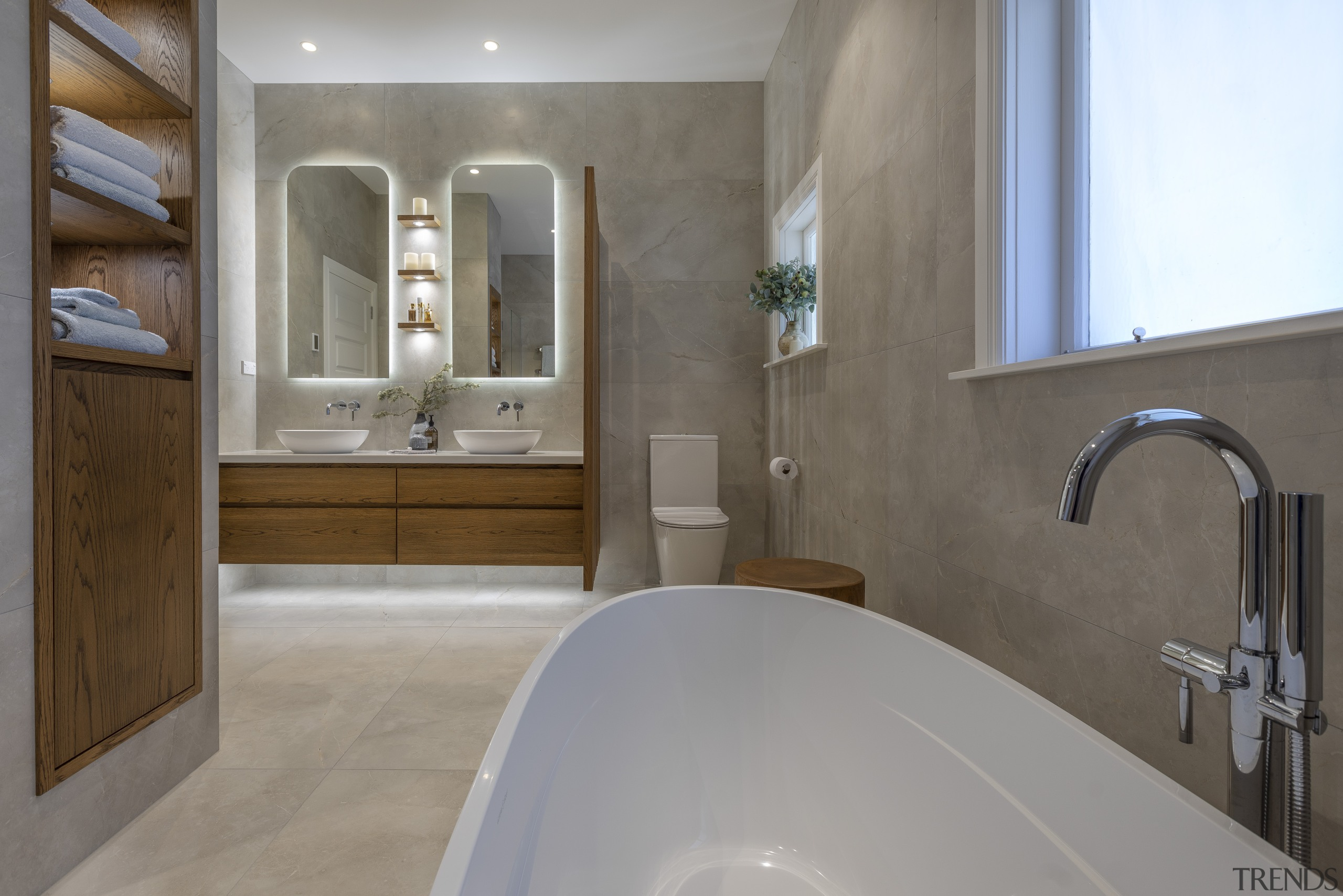 Stretch out and relax – a curvaceous tub gray