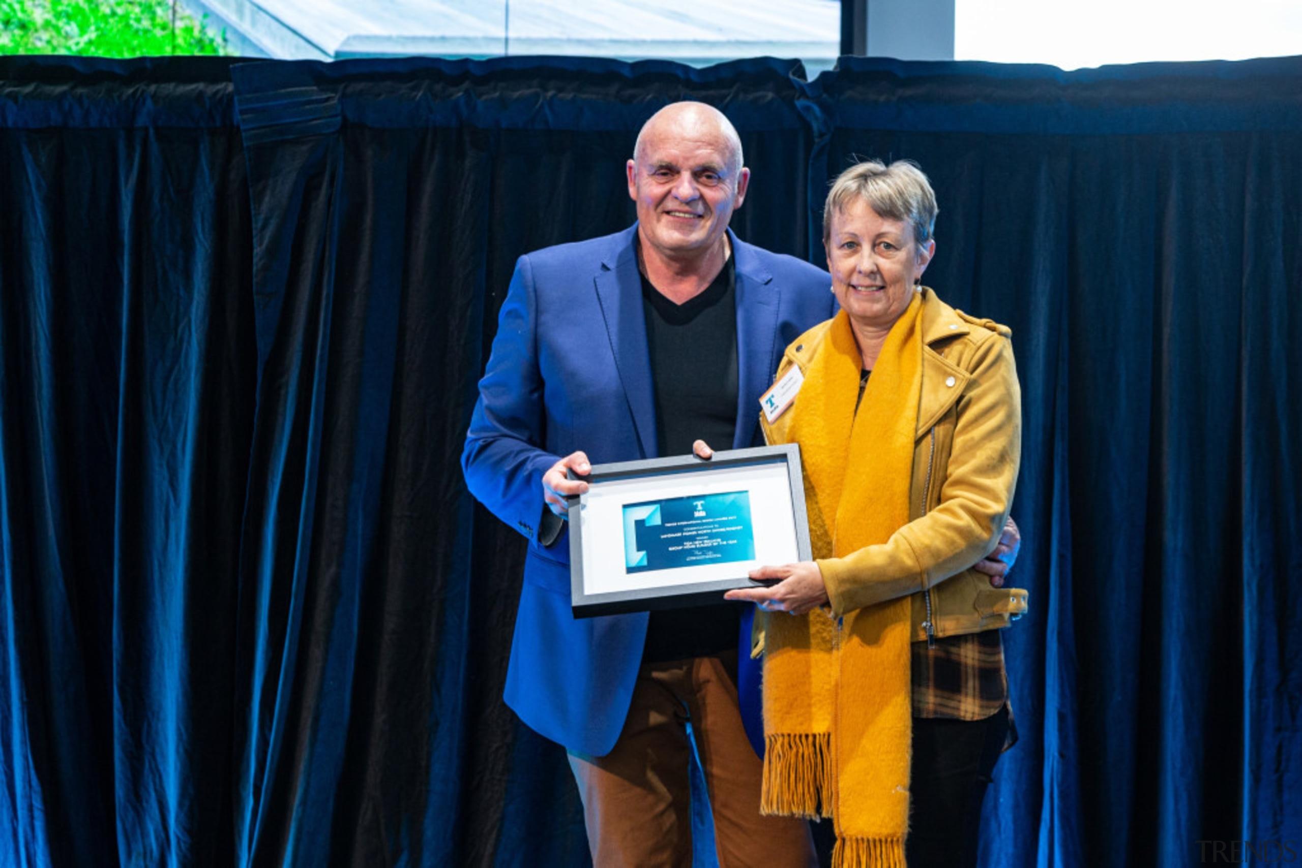 2019 TIDA New Zealand Homes presentation evening award, award ceremony, event, yellow, blue