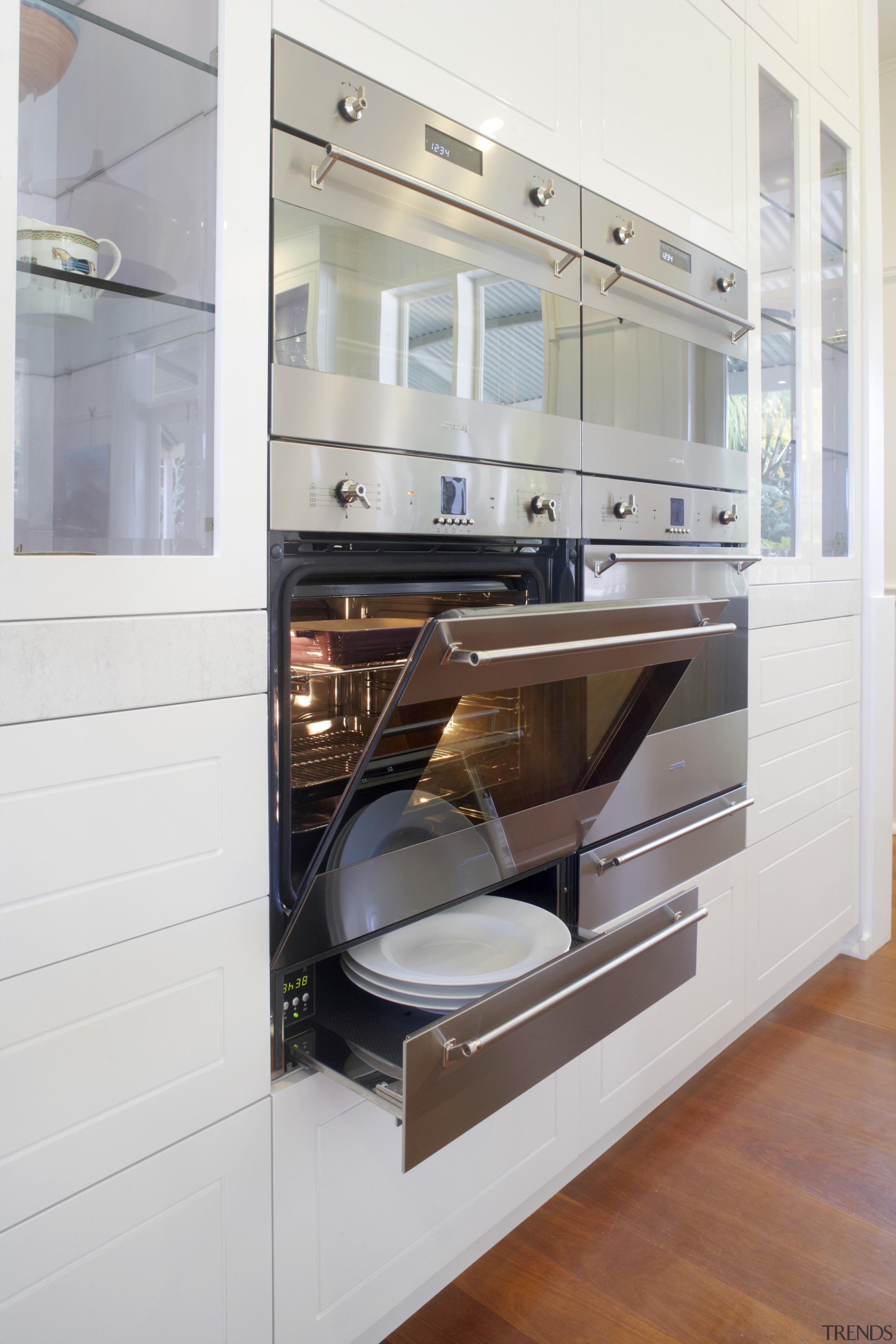 Designer Lynn Malone specified Smeg Classic ovens to countertop, cuisine classique, furniture, home appliance, interior design, kitchen, major appliance, product design, white, gray