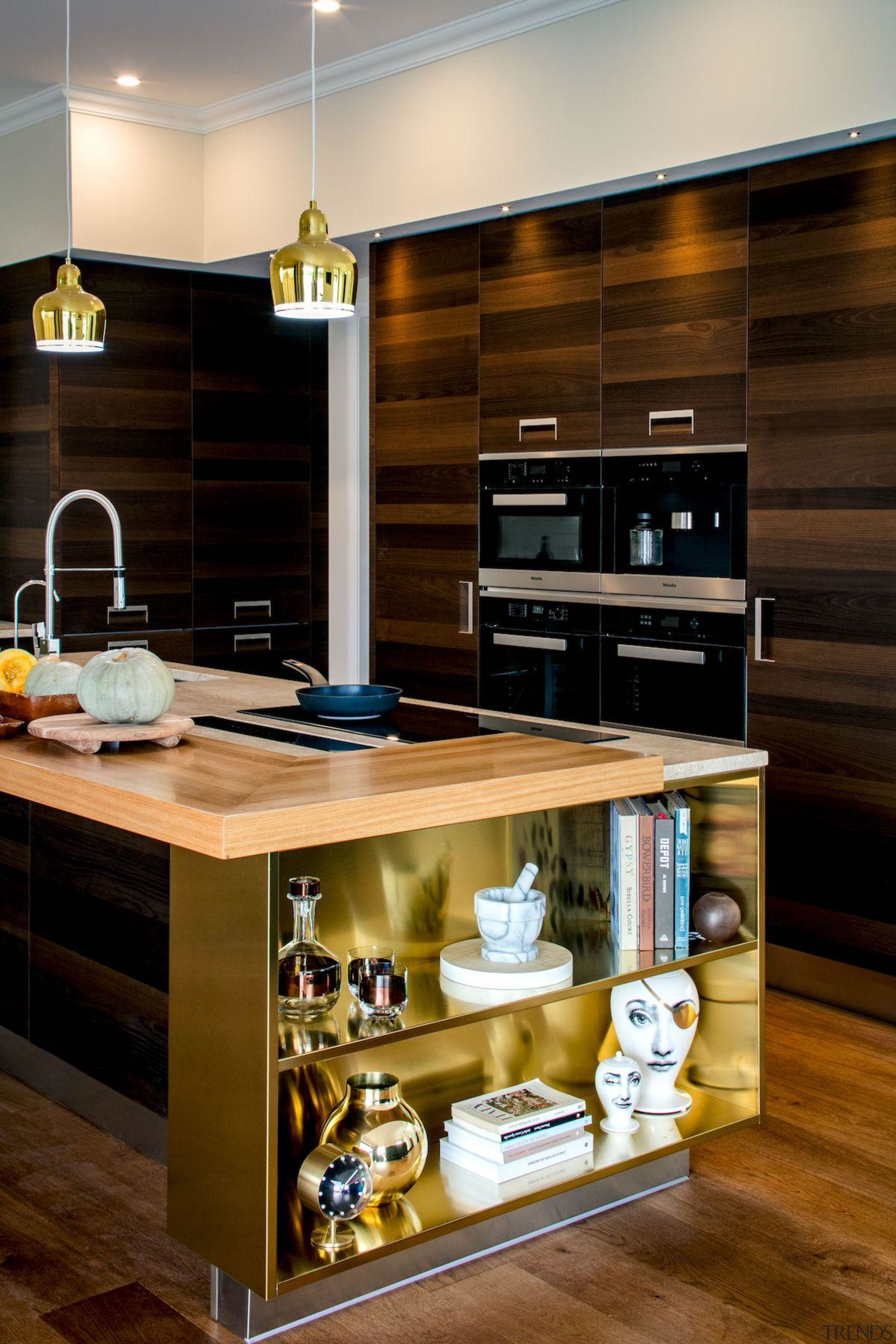 This first impression upon seeing the kitchen sets cabinetry, countertop, cuisine classique, interior design, kitchen, brown