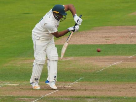 Samit Patel whites defending