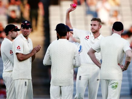 Broad 400 wickets