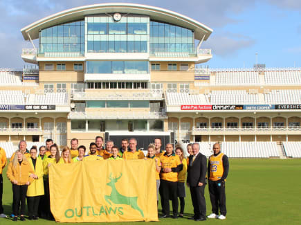 Trent Bridge Hello Yellow