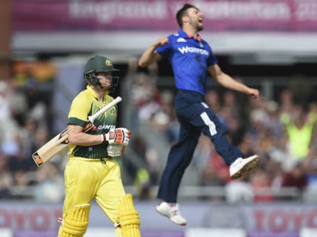 England v Aus ODI action 2015