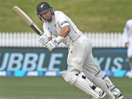 Ross Taylor batting