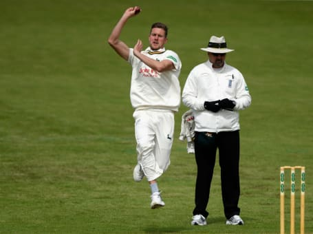 Jake Ball bowling Worcs