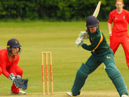 Notts Women v Lancs