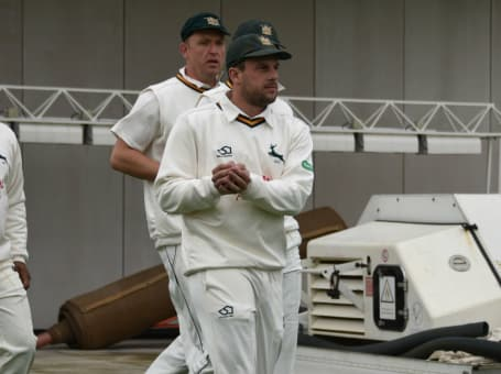 Steven Mullaney leads Notts out at Lancs