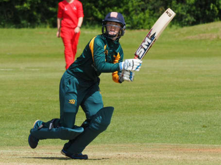 Notts Women batting