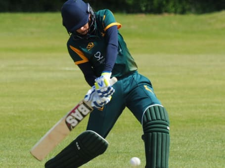 Notts women batter