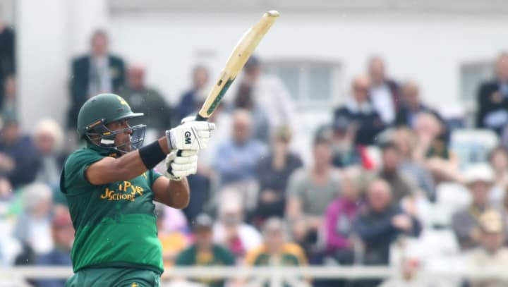 Samit Patel batting green