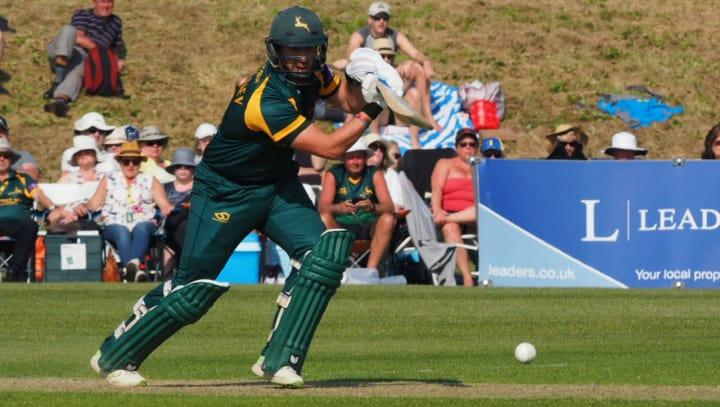 Steven Mullaney batting green