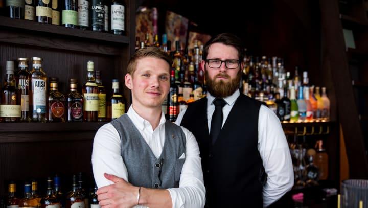 Restaurant Six Bar Dan Warren